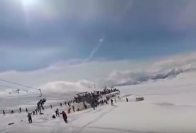 Magyarok is voltak a megvadult grúz síliften, amiről pánikban ugráltak le az emberek
