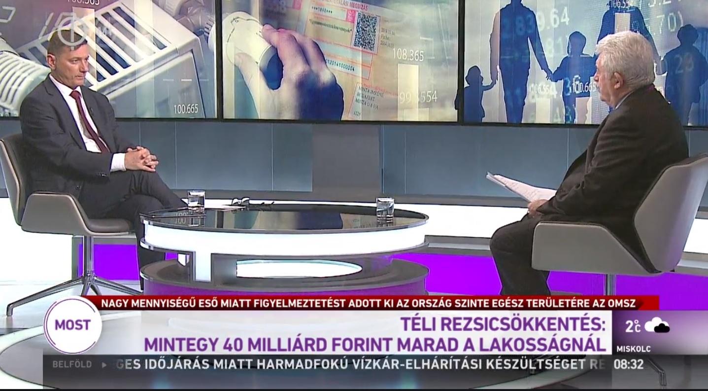 Annyira tolja a Fideszt a köztévé, hogy a választási bizottság kénytelen volt egymillió forintra büntetni