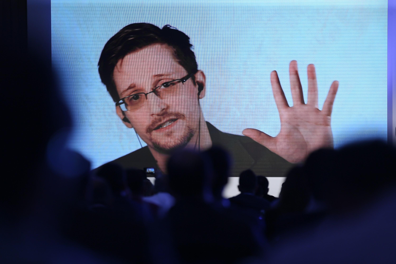 Edward Snowden szerint a magyar kormány válasza a legárulkodóbb a megfigyelési botrányban