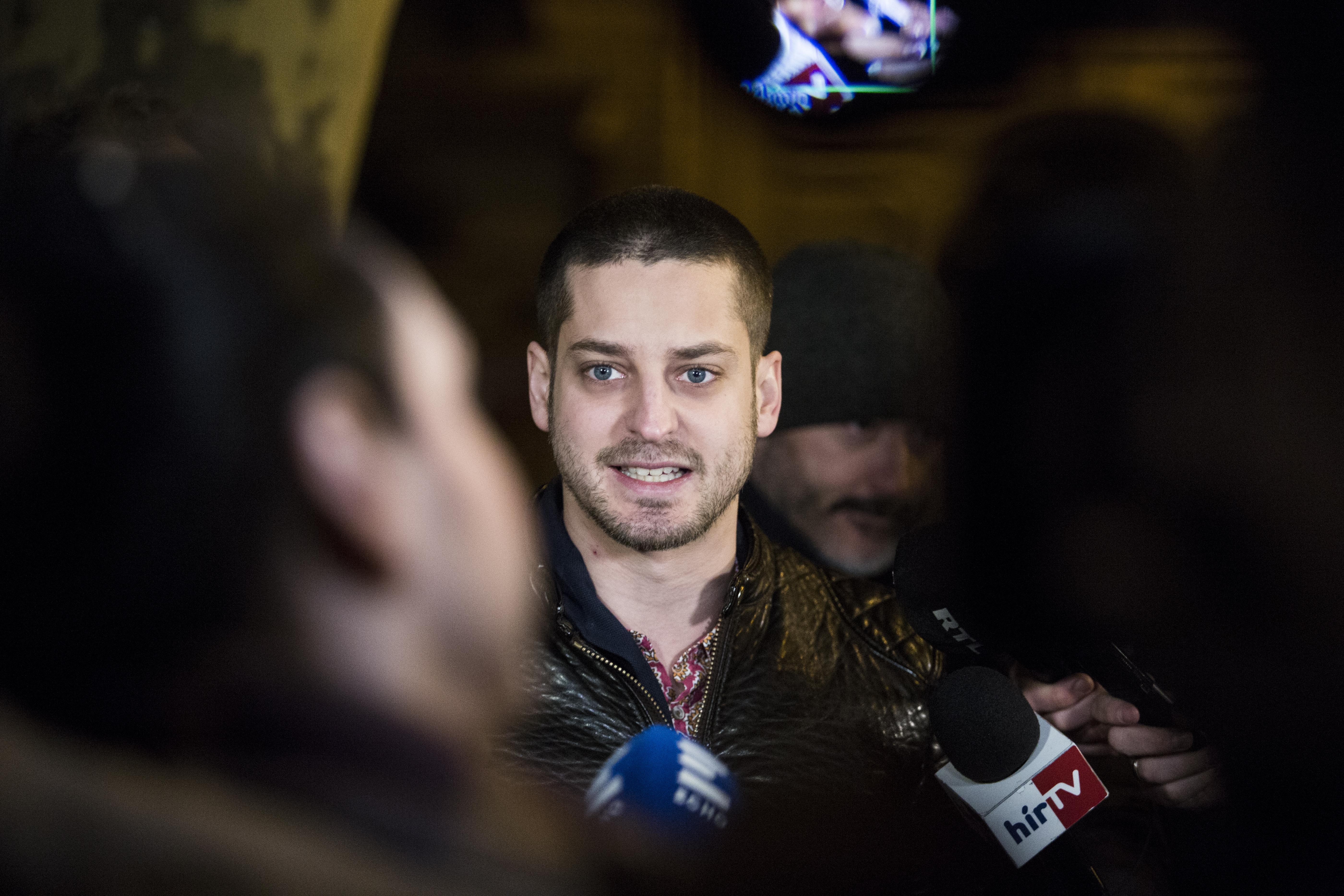 Másfél milliárdot kér Simicska a Magyar Nemzetért Ungártól