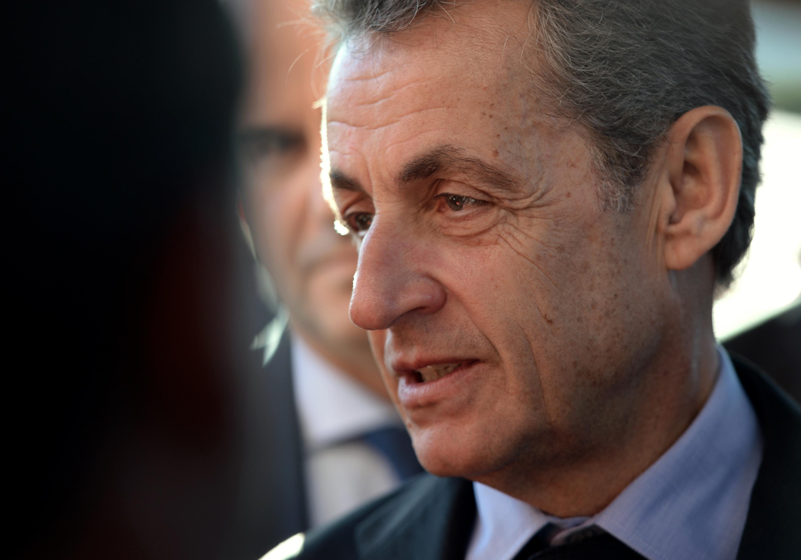 2 év letöltendőt és 2 év felfüggesztettet kért az ügyész Nicolas Sarkozyre