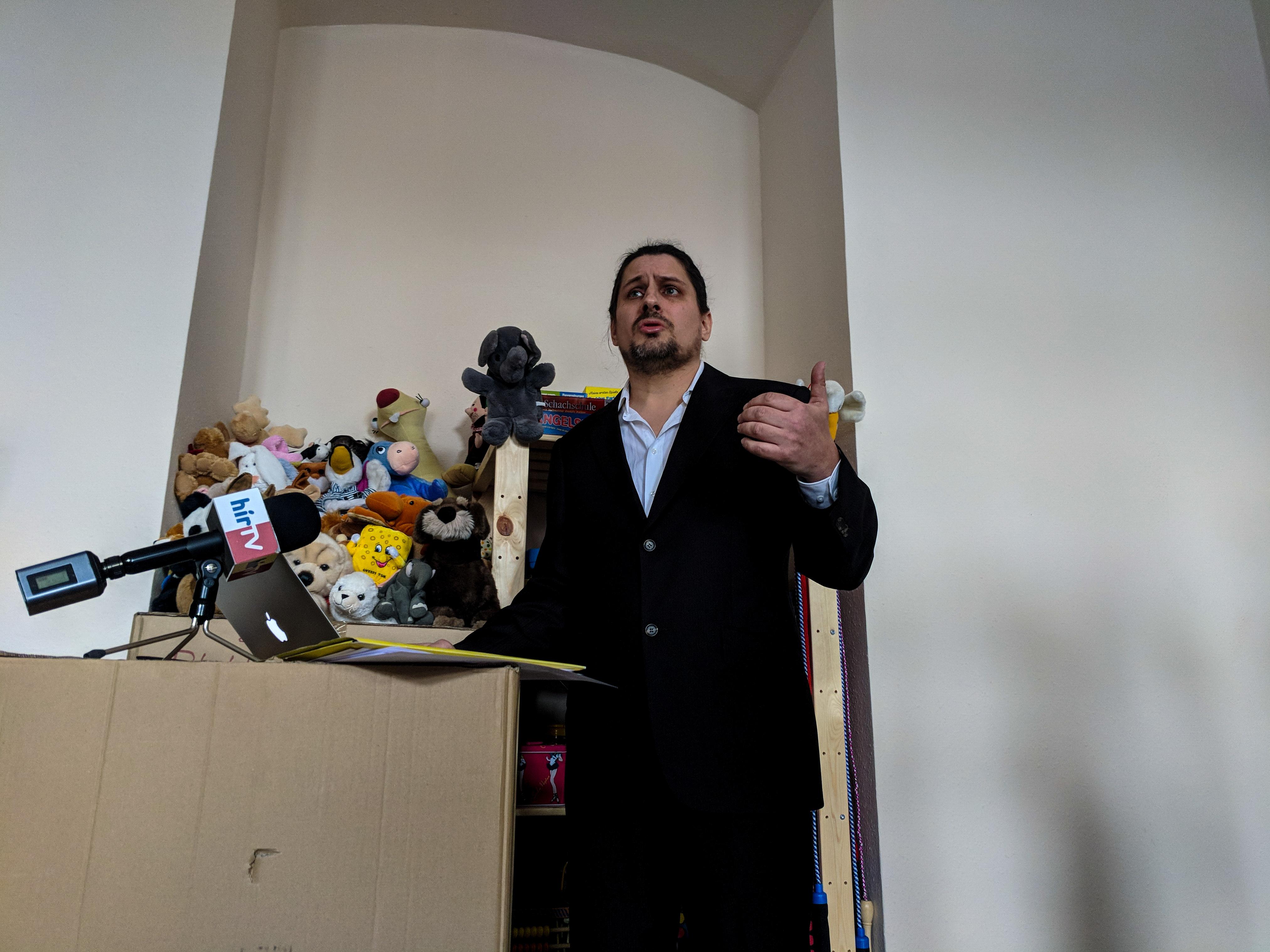 Az ügyészség megvétózta a Migration Aid párttá alakulását
