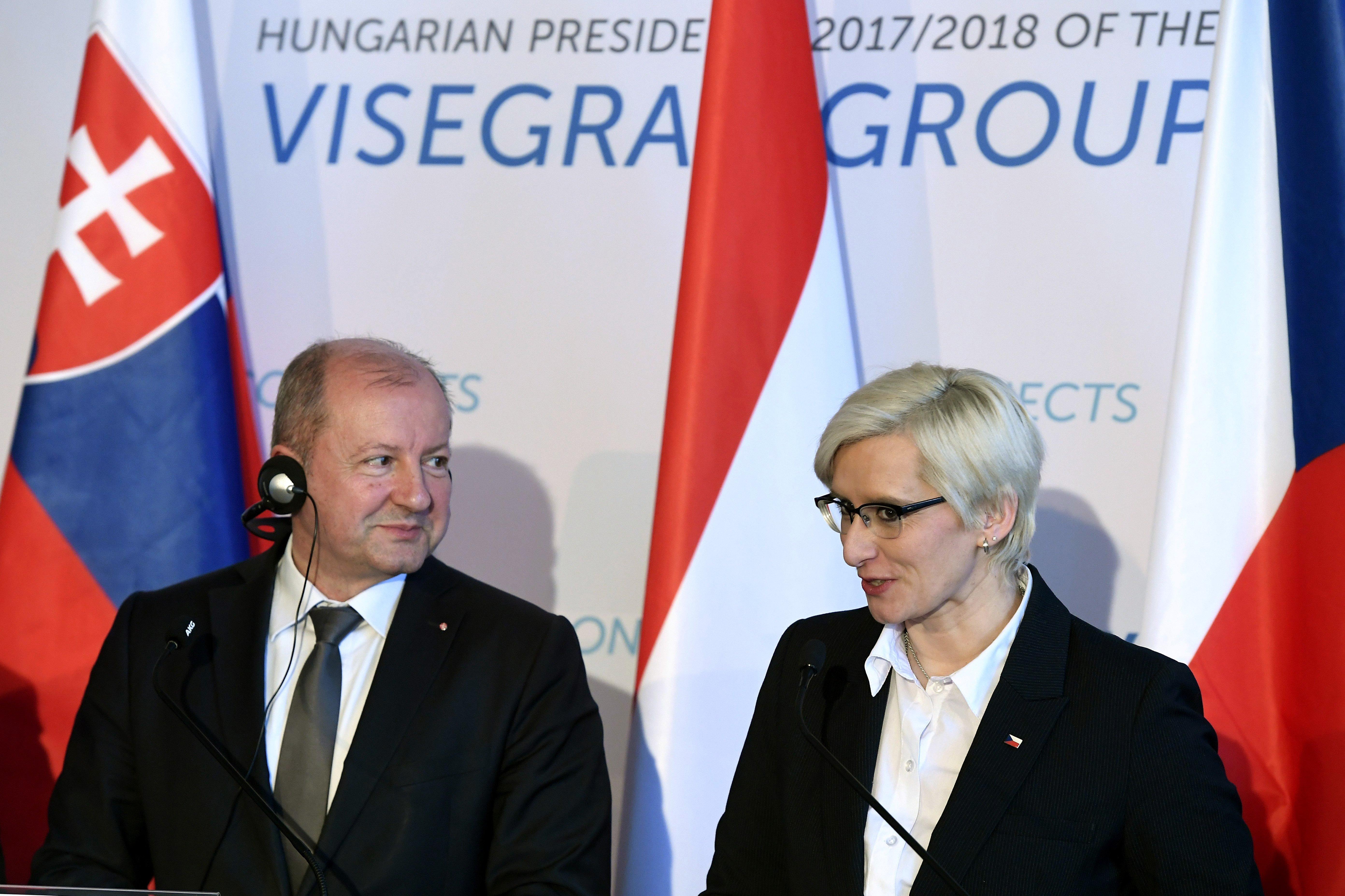 200 ezer kézi lőfegyvert gyárt le Magyarország