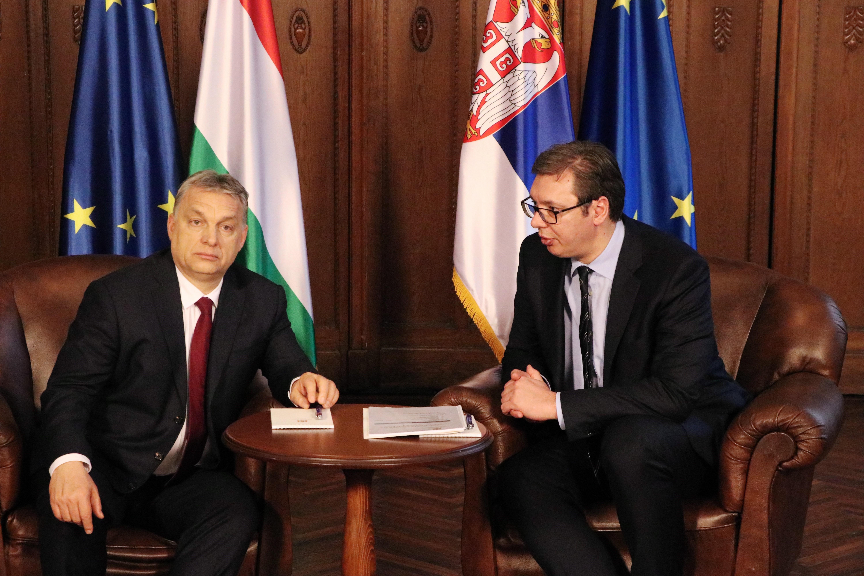 """""""Ez 99 százalékban baromság"""" - utasította vissza a szerb elnök, hogy olyan lenne, mint Orbán"""
