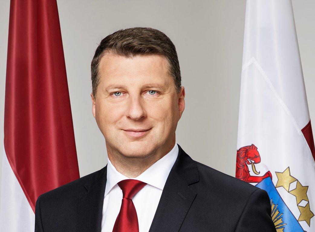 A kisebbségi iskolákban is a többségi nyelven kell tanítani Lettországban