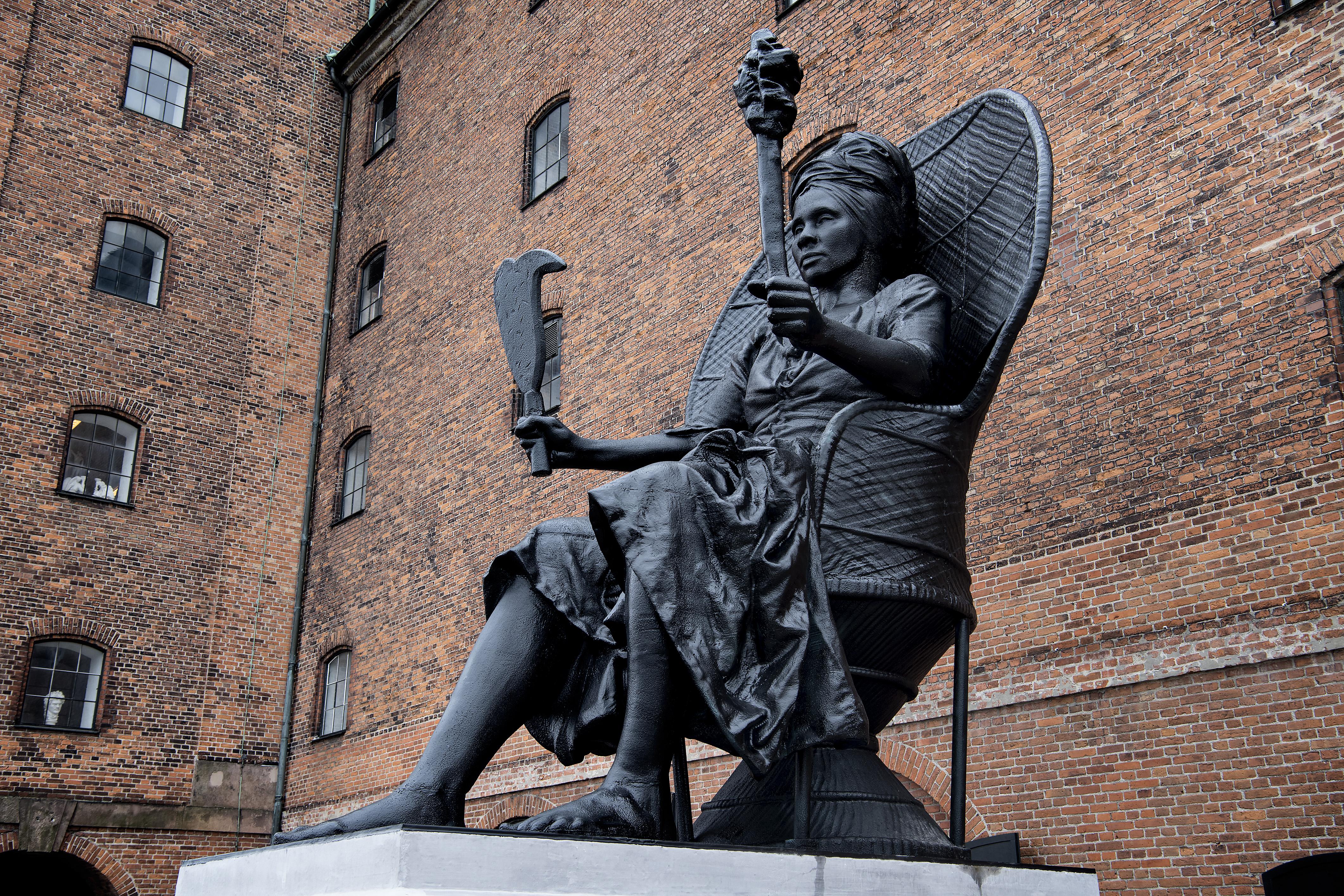 Dániában szobrot állítottak egy fekete nőnek
