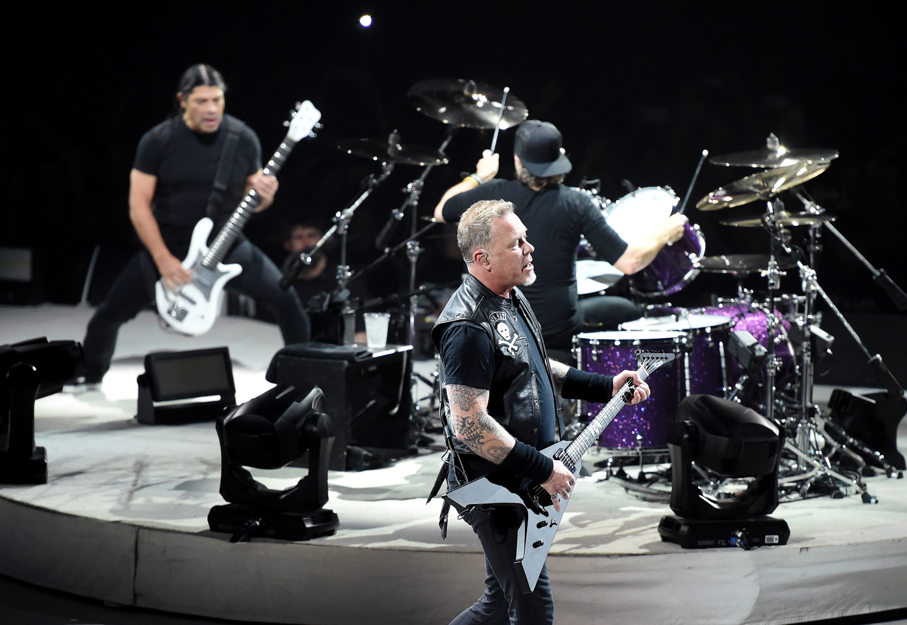 Tankcsapdát játszott a Metallica a budapesti koncertjén