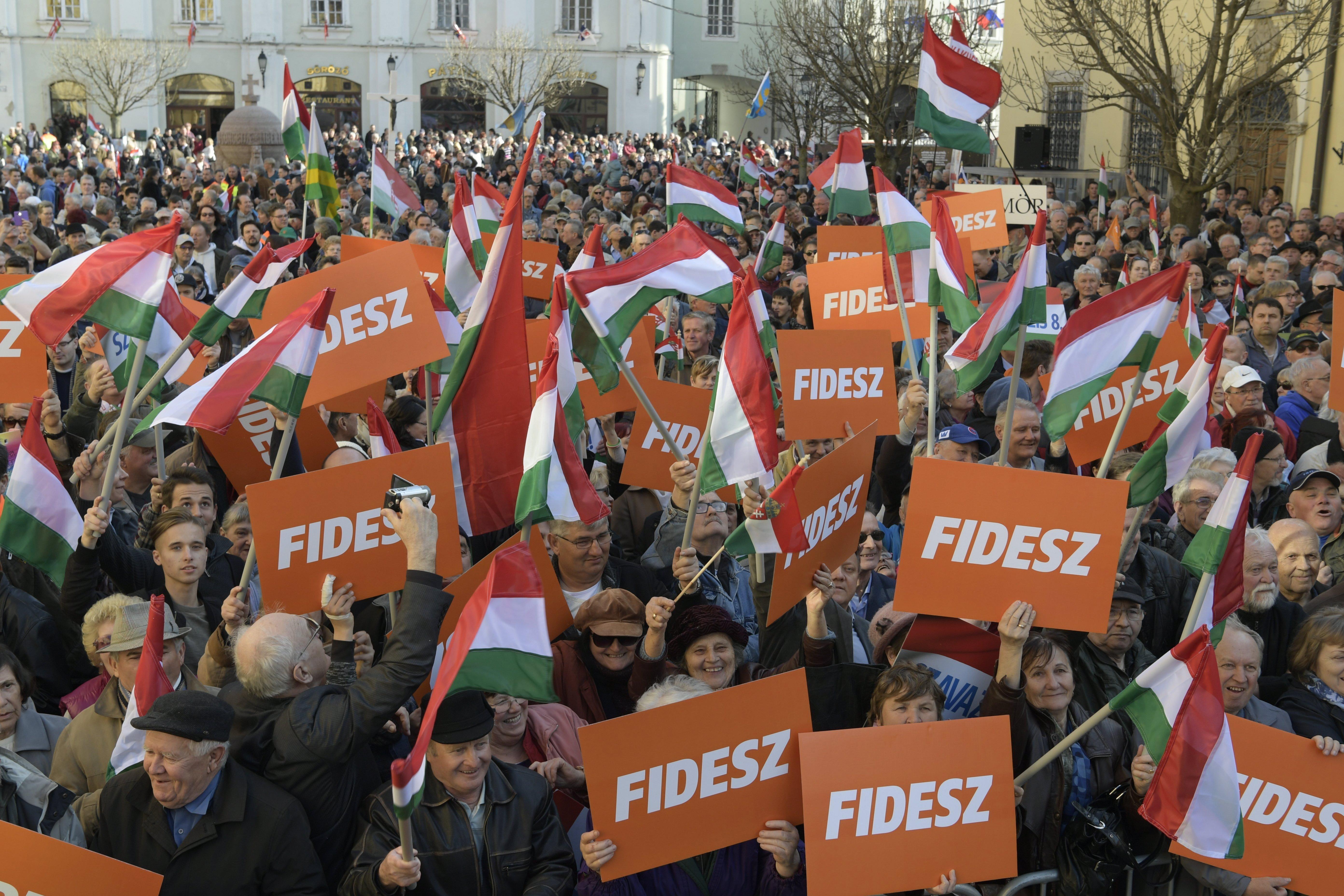 Negyedmillió fővel bővült a Fidesz tábora