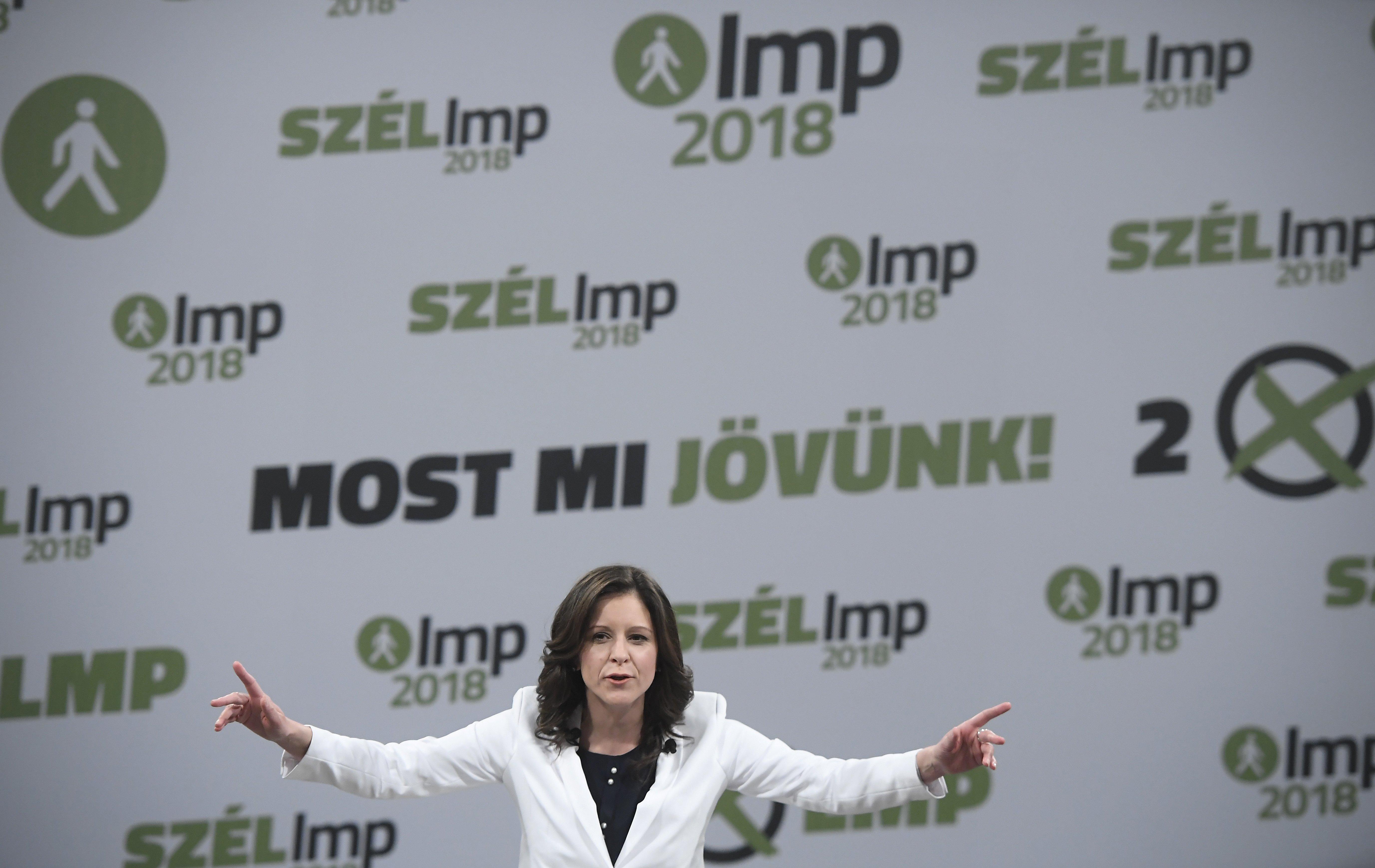 A választások után majd két héttel már nyitna az LMP az új pólus pártjai felé