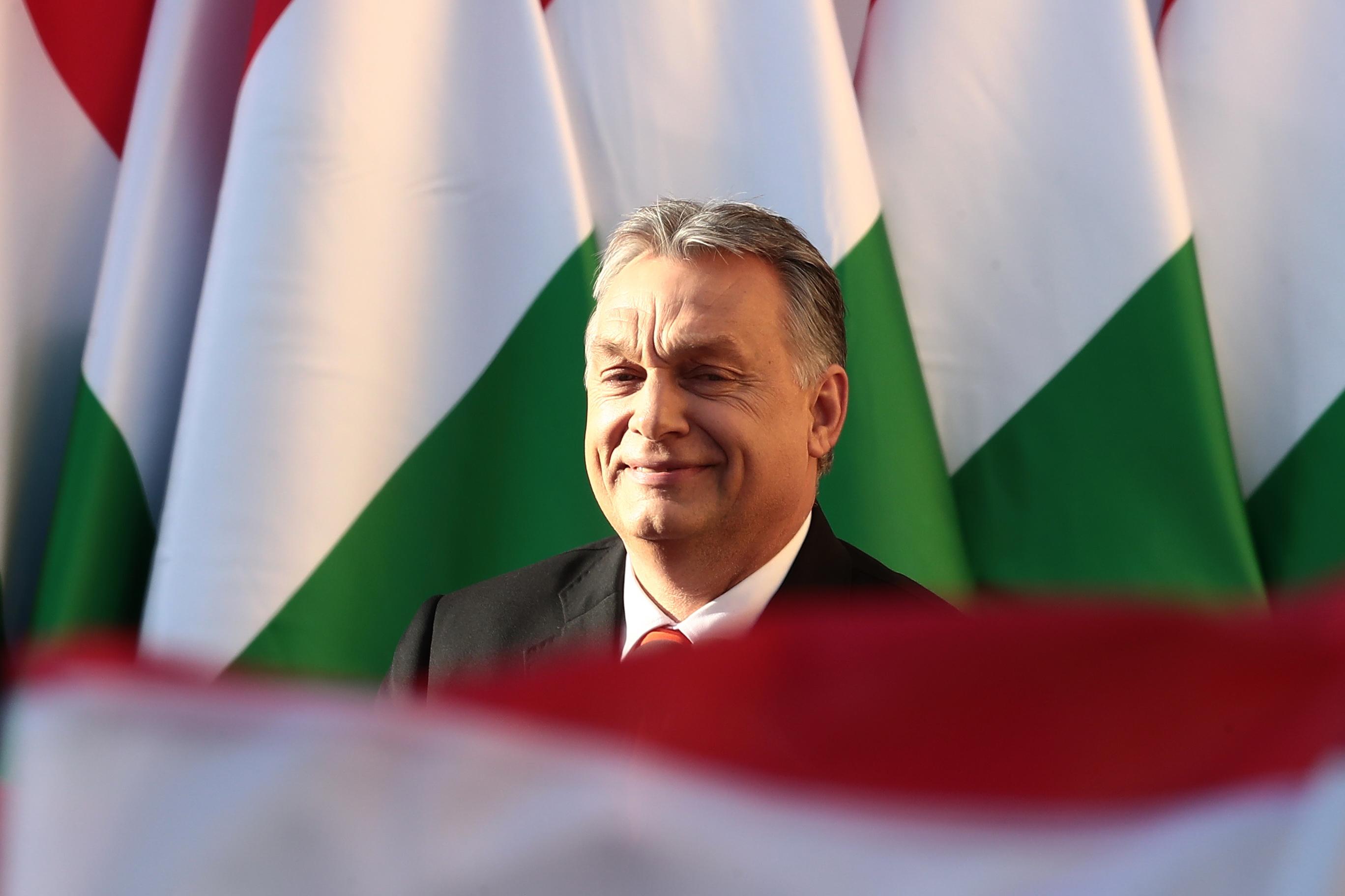 Vádat emeltek Orbán meghekkelt karácsonyi interjúja miatt