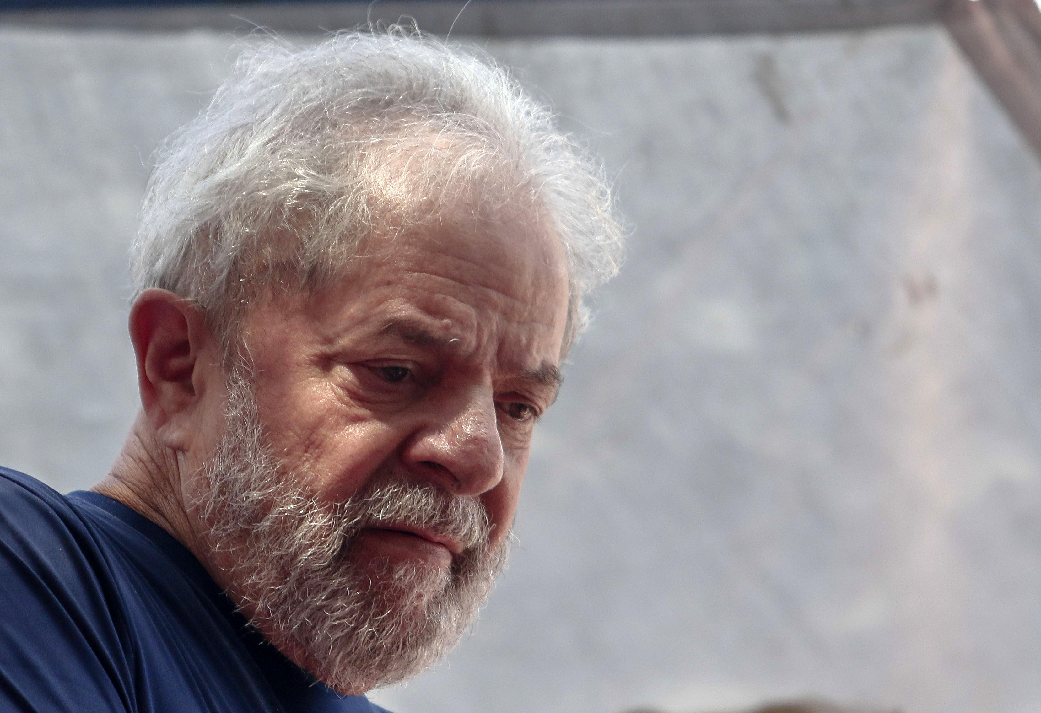 Felmentették a vádak alól a volt brazil elnököt, Lulát