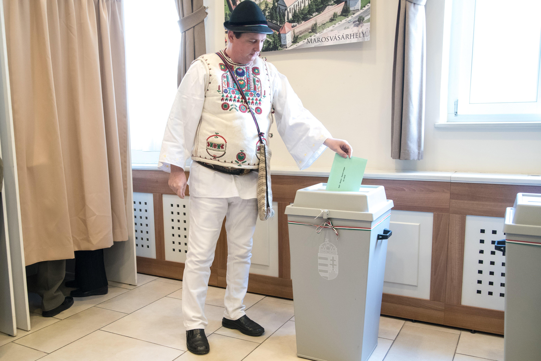 Kormány: Nem tervezzük a választási törvény átírását