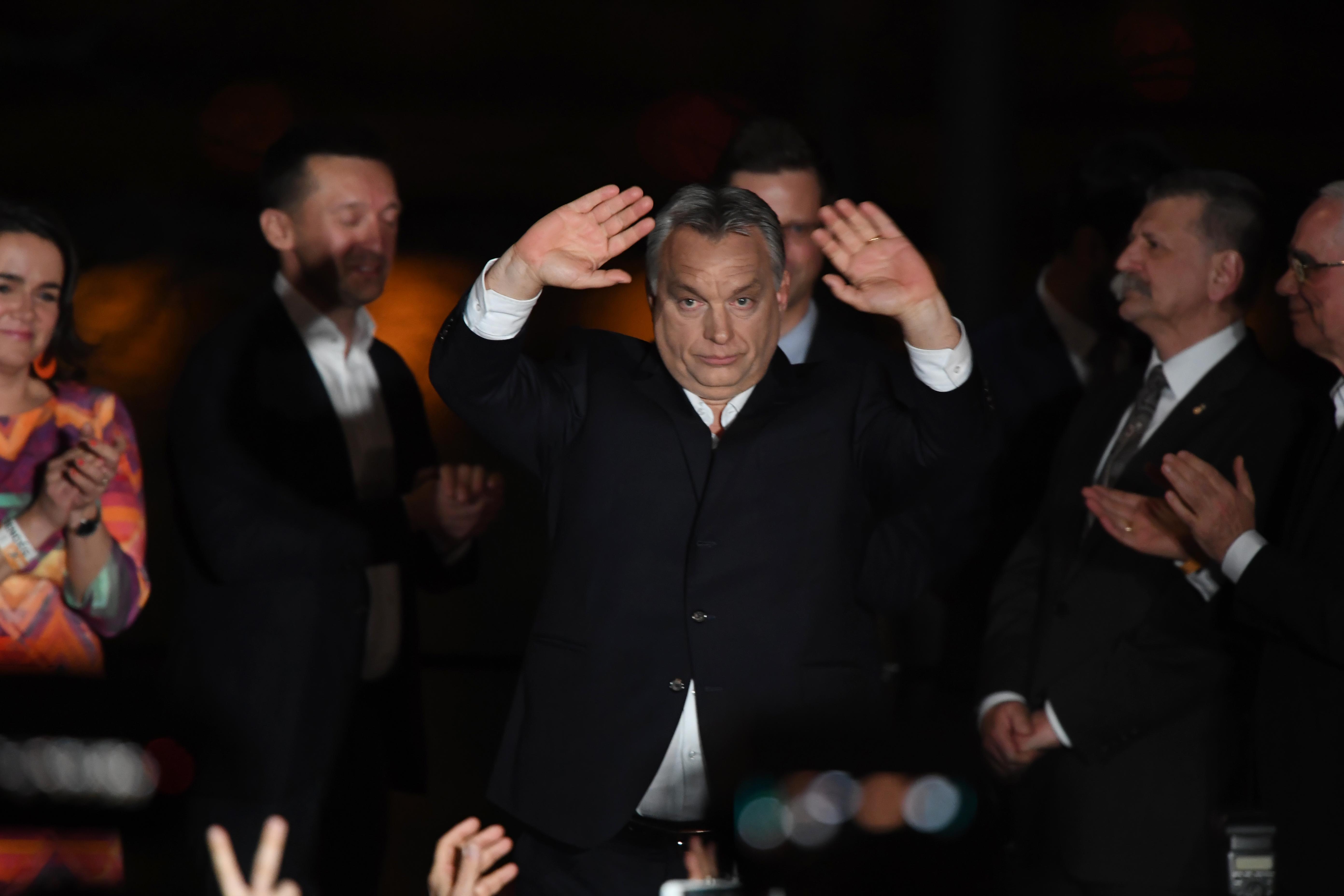Mongólia, a Seychelles-szigetek, Azerbajdzsán és Albánia vezetői is gratuláltak Orbánnak