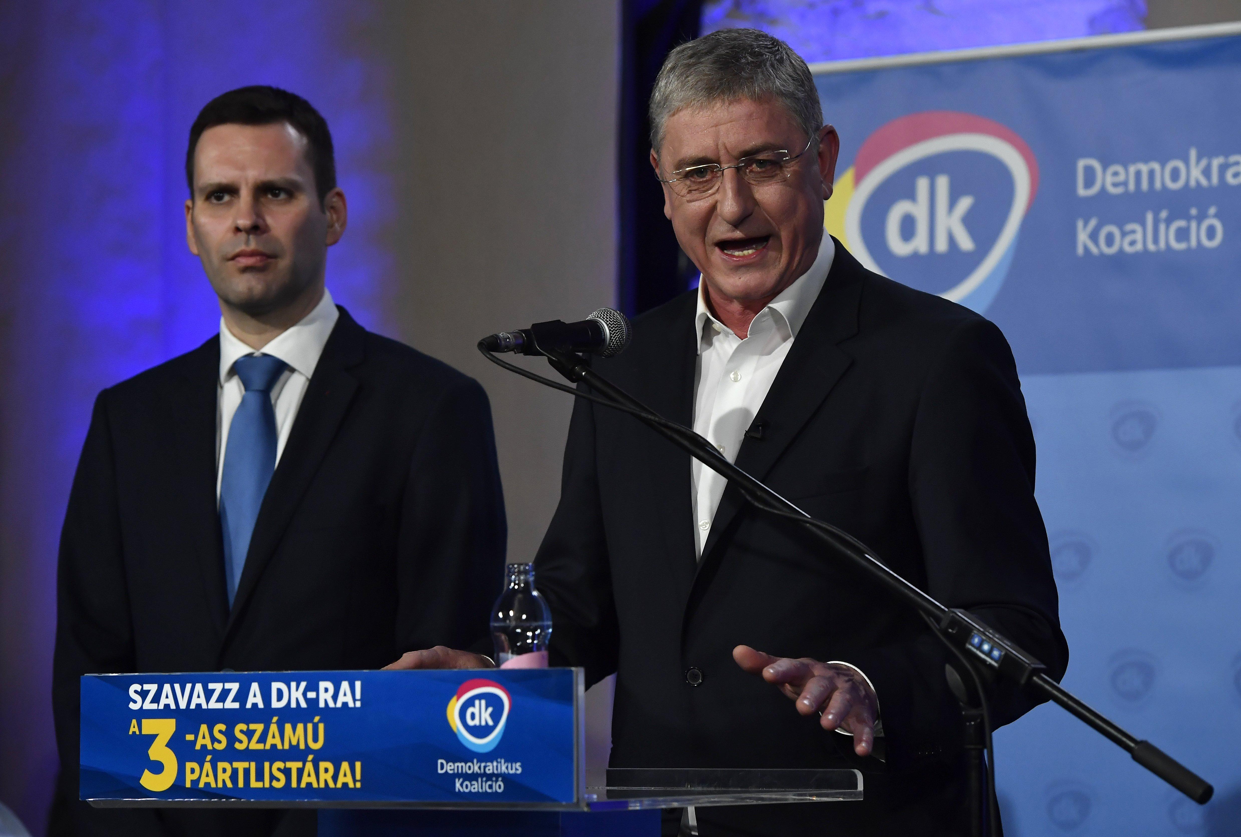 Hiába lehetne képviselő Niedermüller Péter és Molnár Csaba, inkább Brüsszelt választják