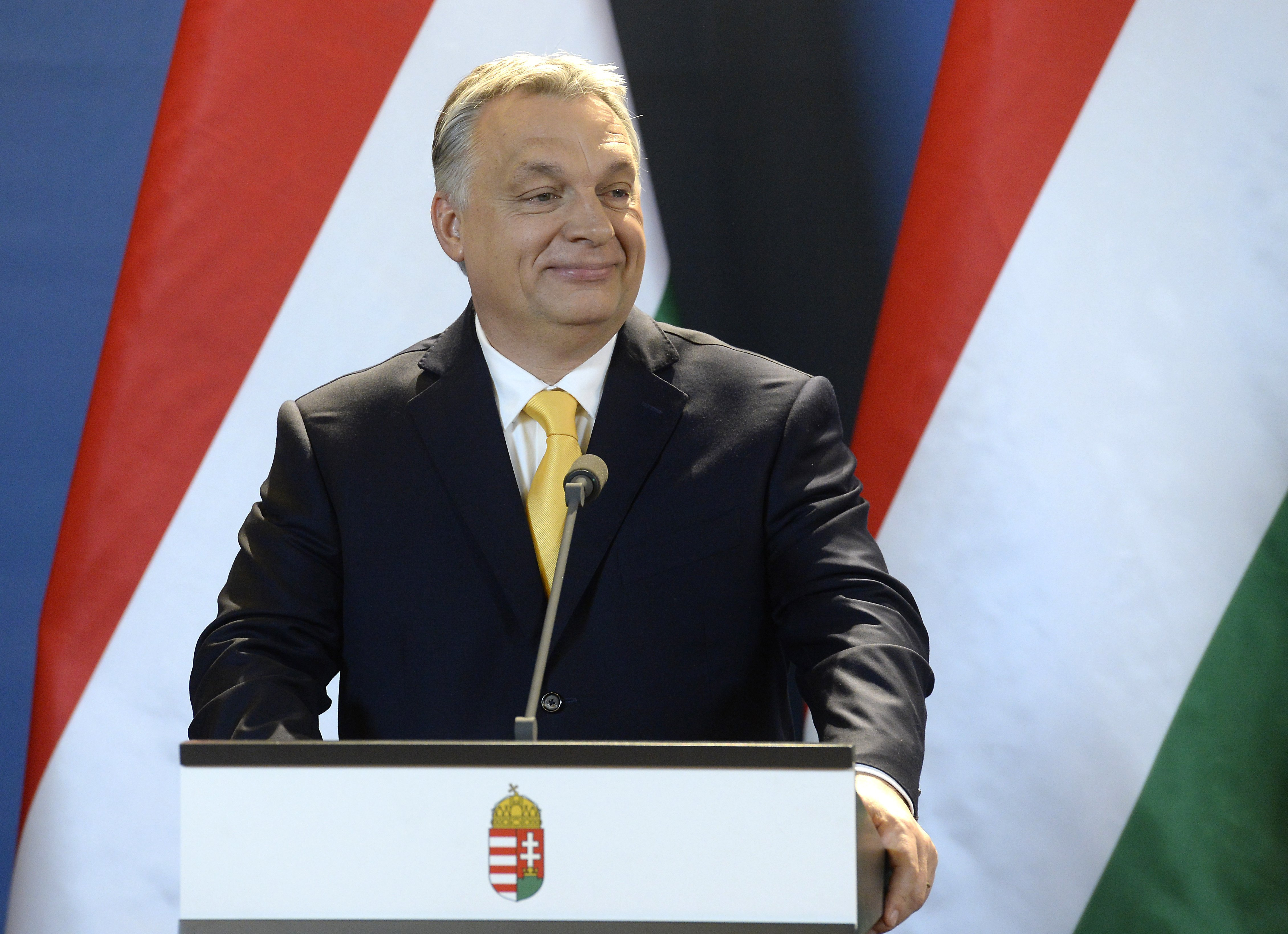 A szerencsétlen Economist újságírója azt hitte, ha értelmesen kérdez, Orbán Viktor majd válaszol neki