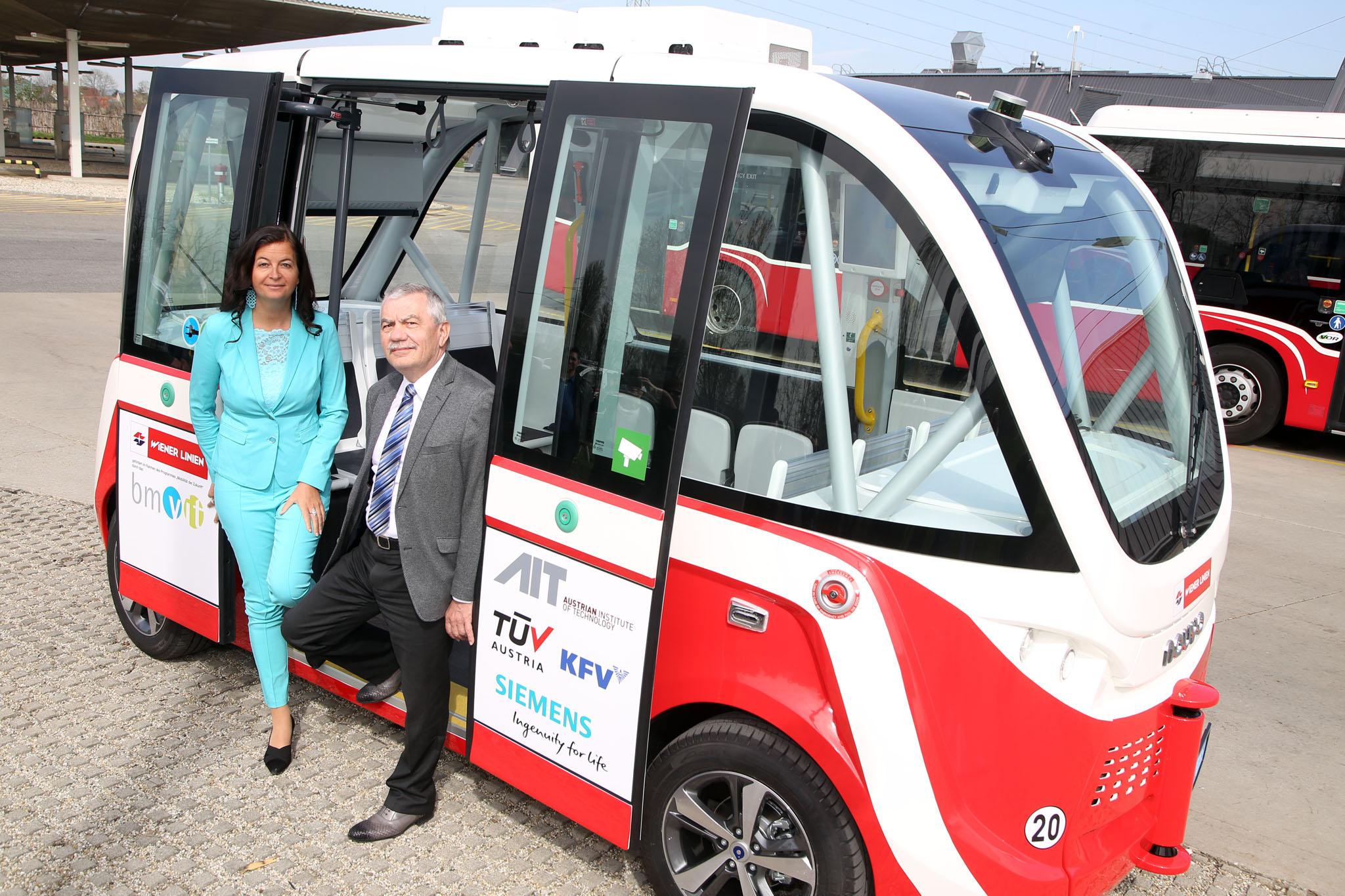 Bécsben már önvezető buszokat tesztelnek