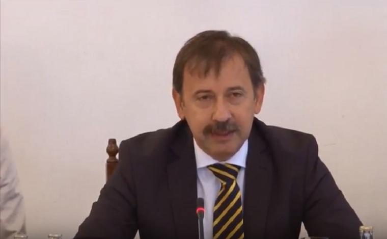 Az egri egyetem rektora kitiltotta a kampuszról a Magyar Nemzetről szóló mai konferenciát és sajtócenzúrát vezetett be az eseményre