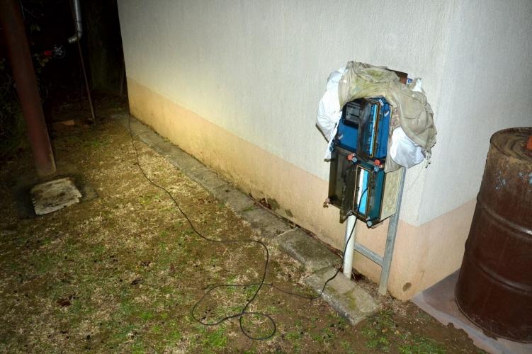 Nem bonyolította túl az áramlopást egy pellérdi férfi: áthúzott egy hosszabbítót a szomszédba