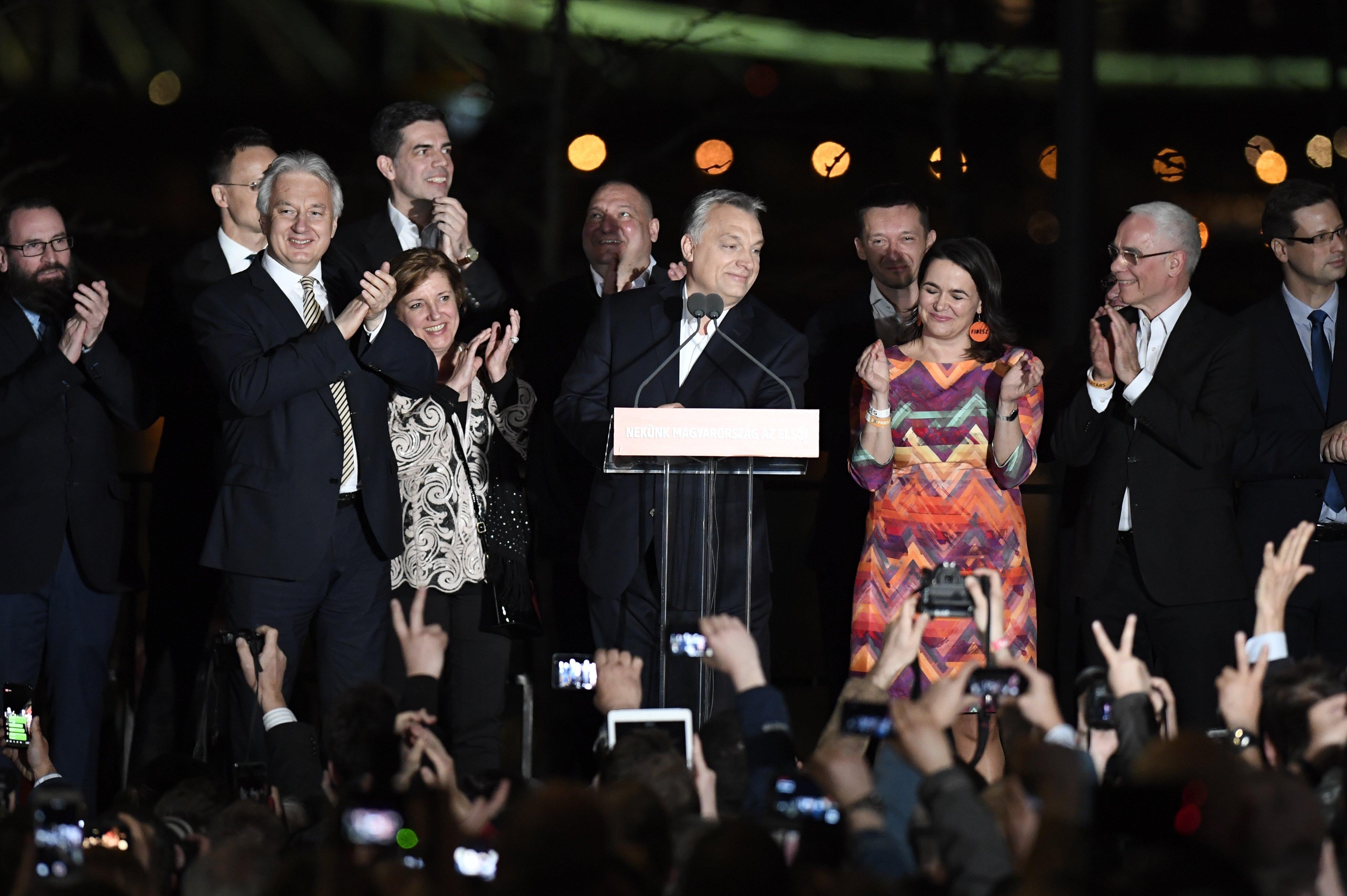 Semjén Zsolt felesége a Fidesz győzelmi pódiumának örök szereplője