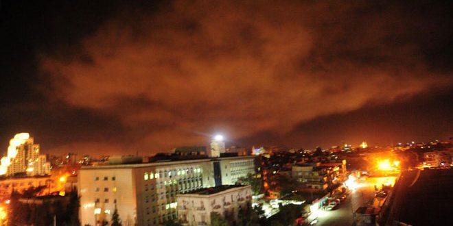 Több mint száz robotrepülőt és rakétát lőttek ki hajnalban szíriai célpontokra
