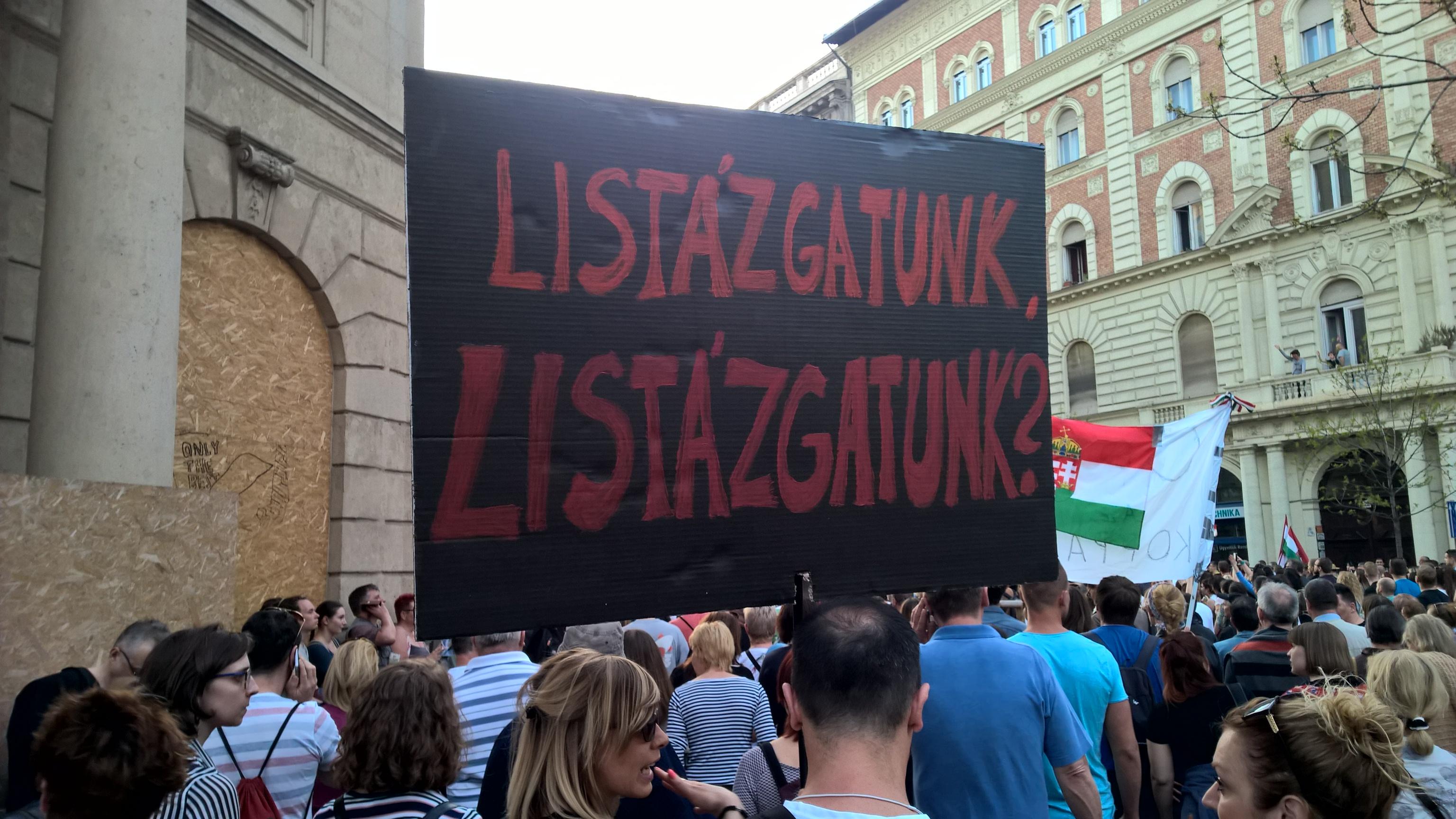 Az ELTE több mint 300 oktatója és hallgatója tiltakozik a Figyelő uszítása ellen