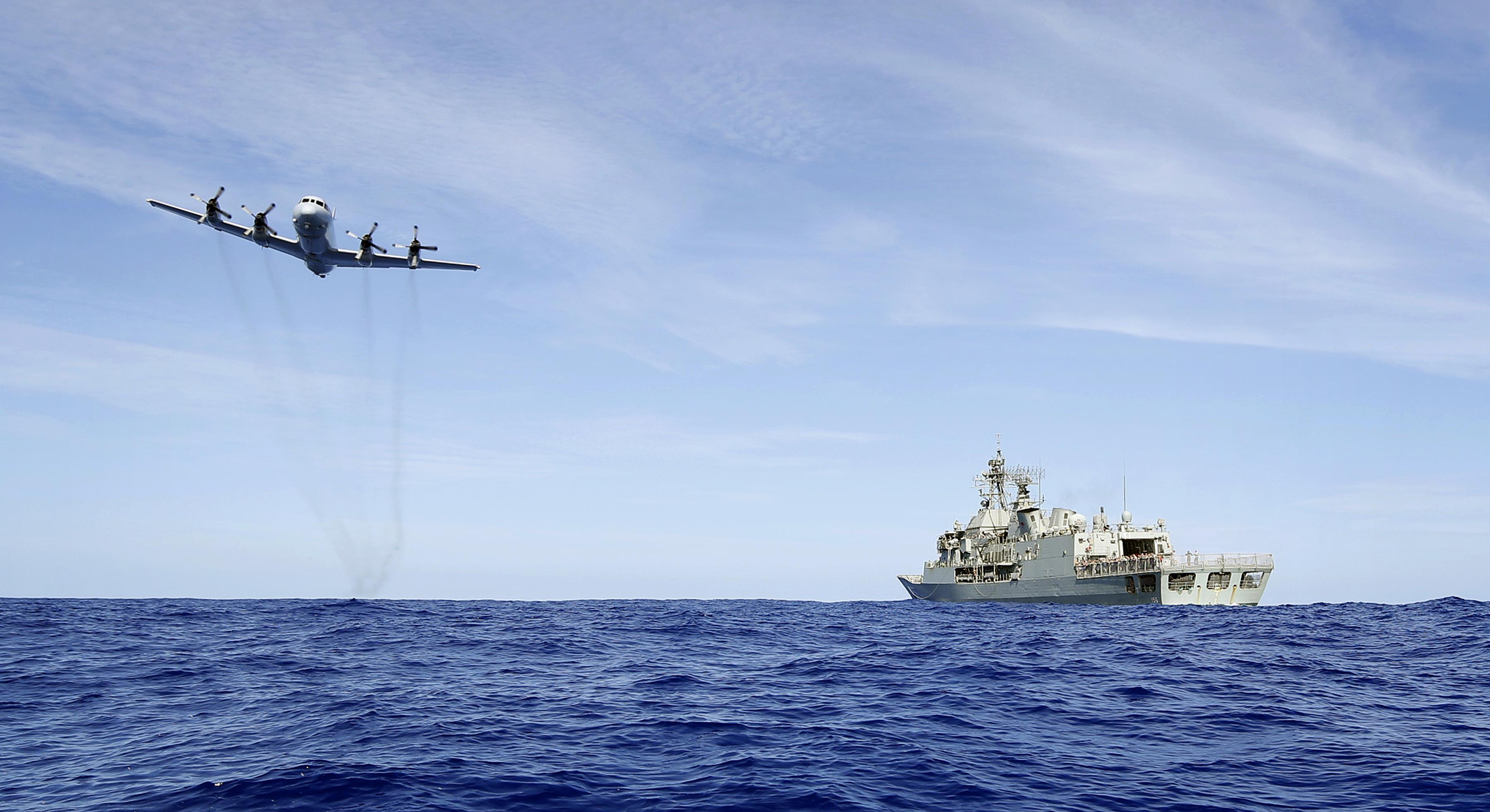 Ausztrál hadihajókat hergelt a kínai flotta