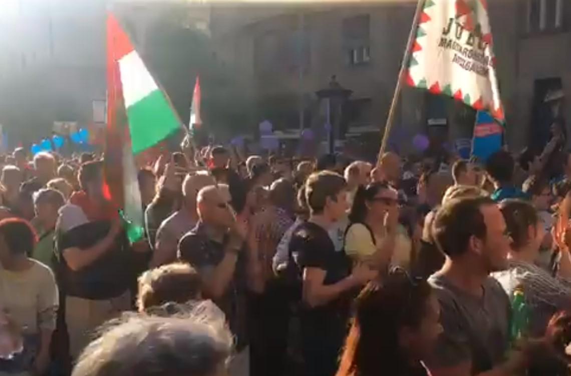 Élőben a második kormányellenes tüntetésről