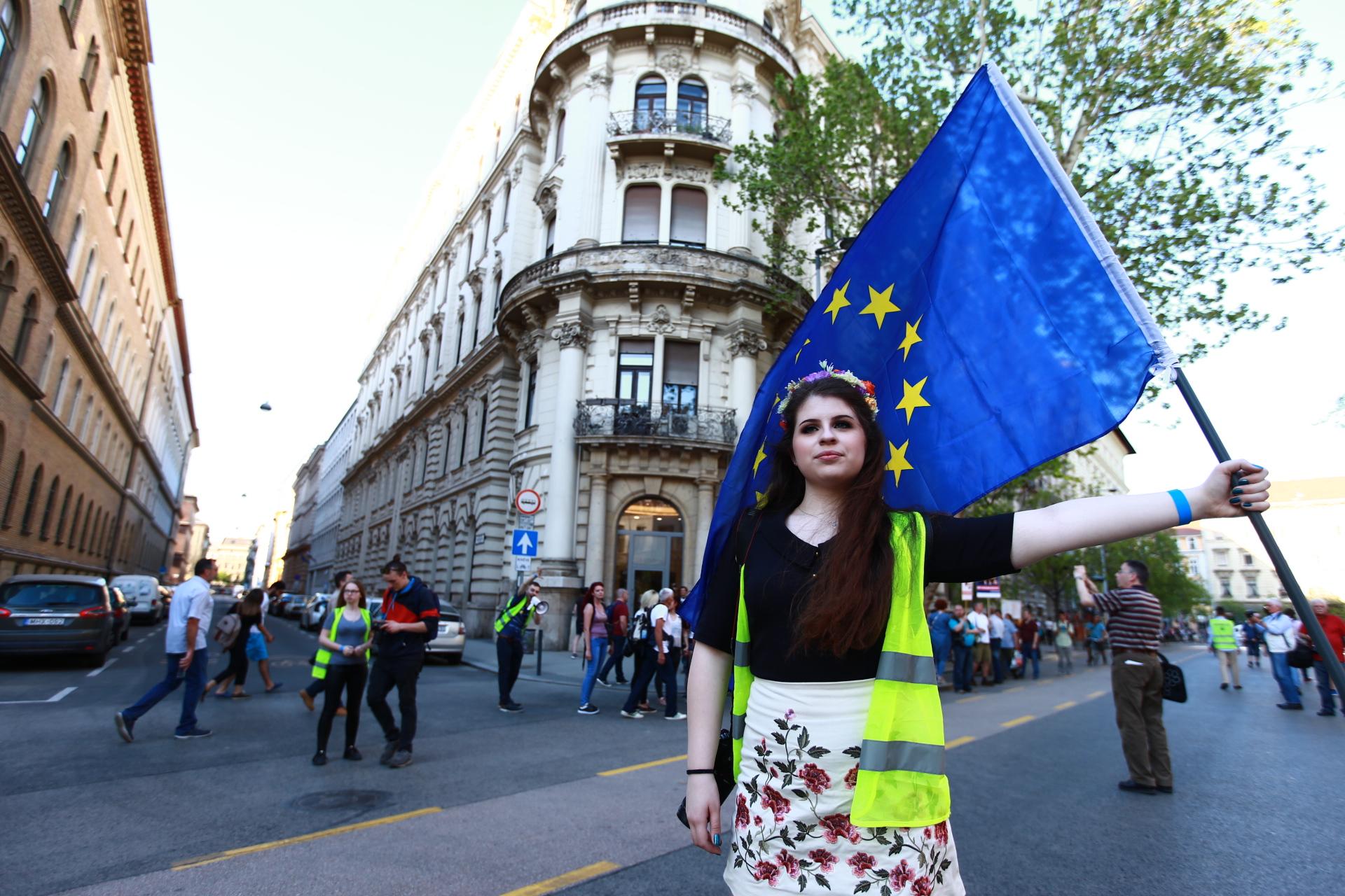 Magyarországon népszerűbb az európai uniós tagság, mint a Fidesz