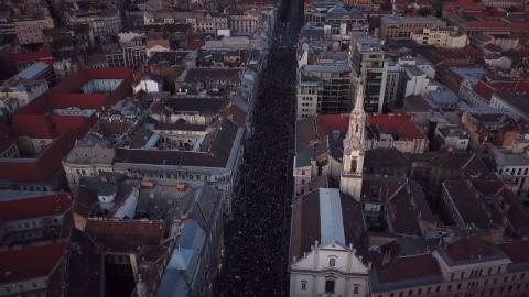 Drónvideó: az Astoriáig ért a tömeg a szombati tüntetésen