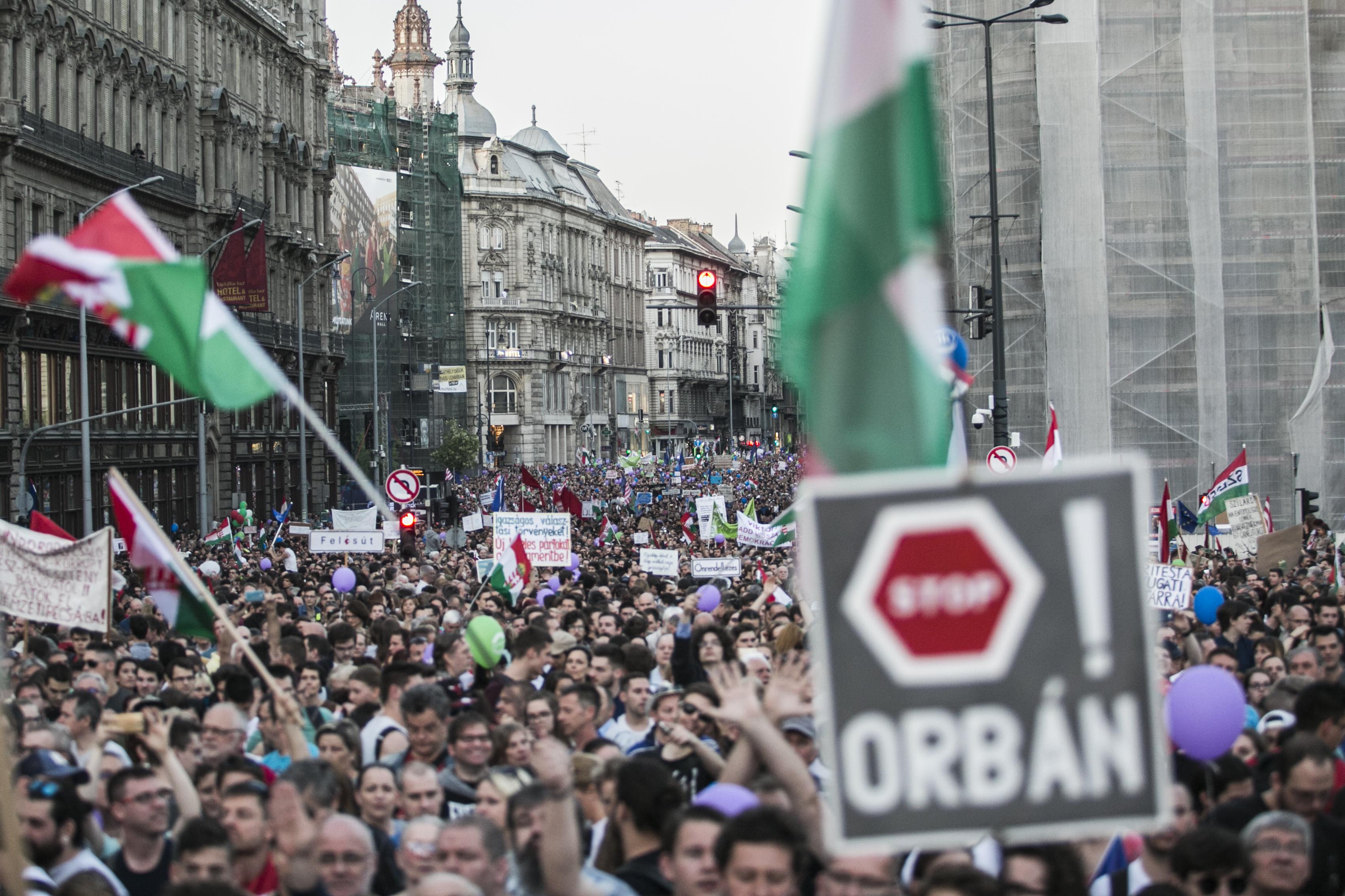 Több lehetőséget kapna a rendőrség, hogy tüntetéseket tiltson le