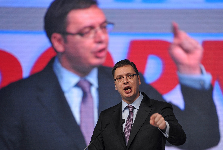 A szerb elnök bocsánatot kért az ellene szervezett tüntetésen elhangzott magyarozásért