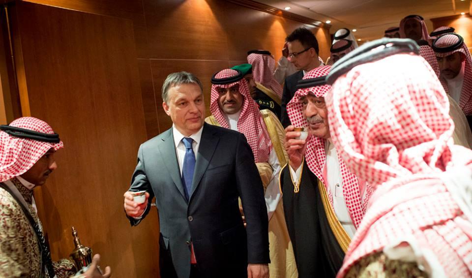 Továbbra is titkolózik a kormány Orbán tavalyi külföldi útjairól