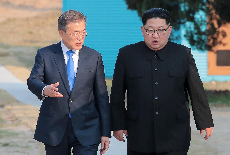 Váratlanul mégis találkozott a dél-koreai elnök Kim Dzsongunnal