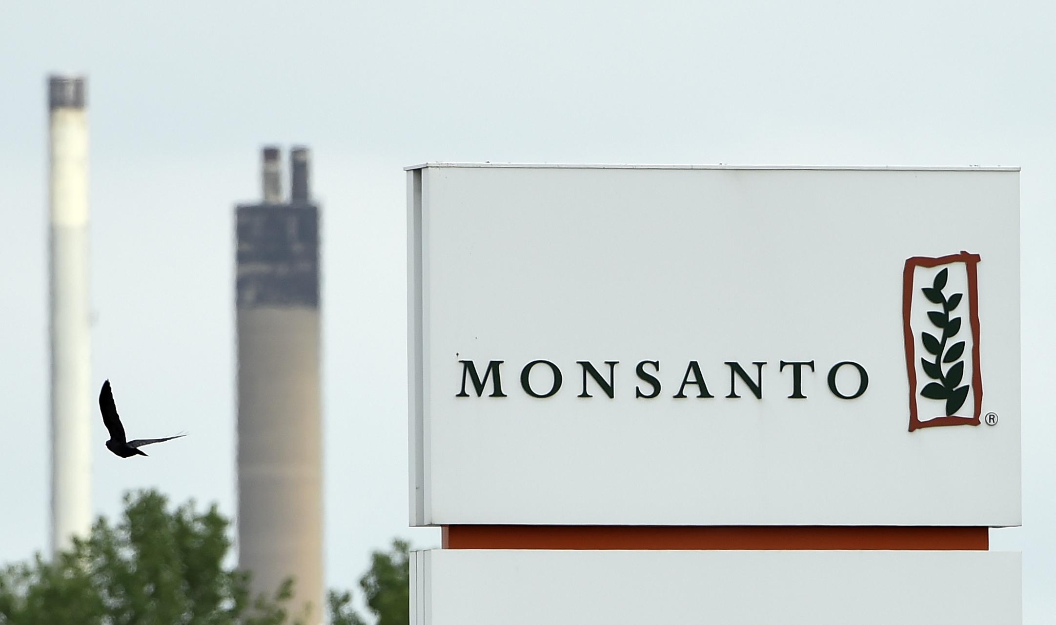 Újságírókat és aktivistákat listázott a Monsanto Franciaországban