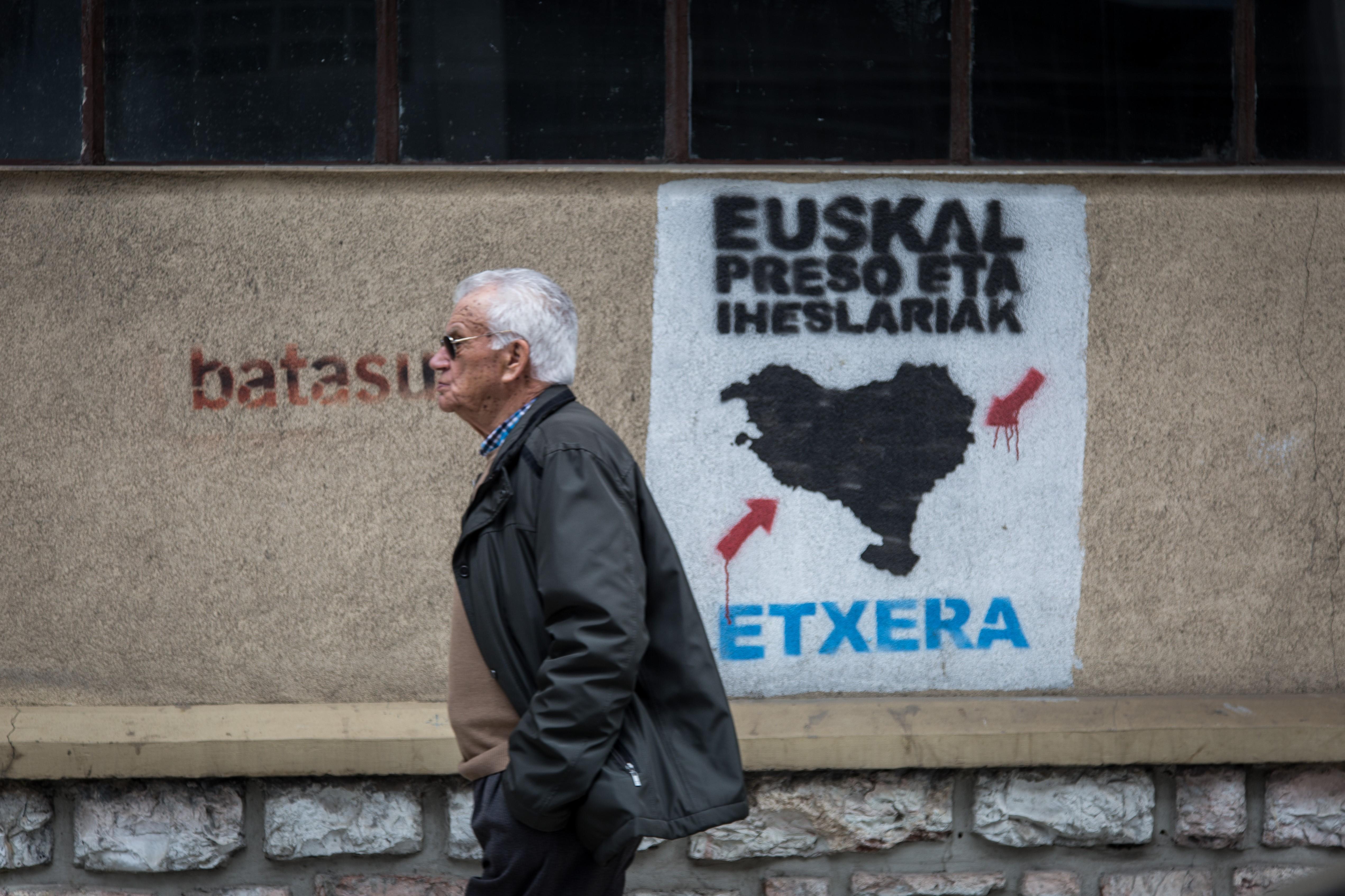 Feloszlatja magát az ETA baszk terrorszervezet