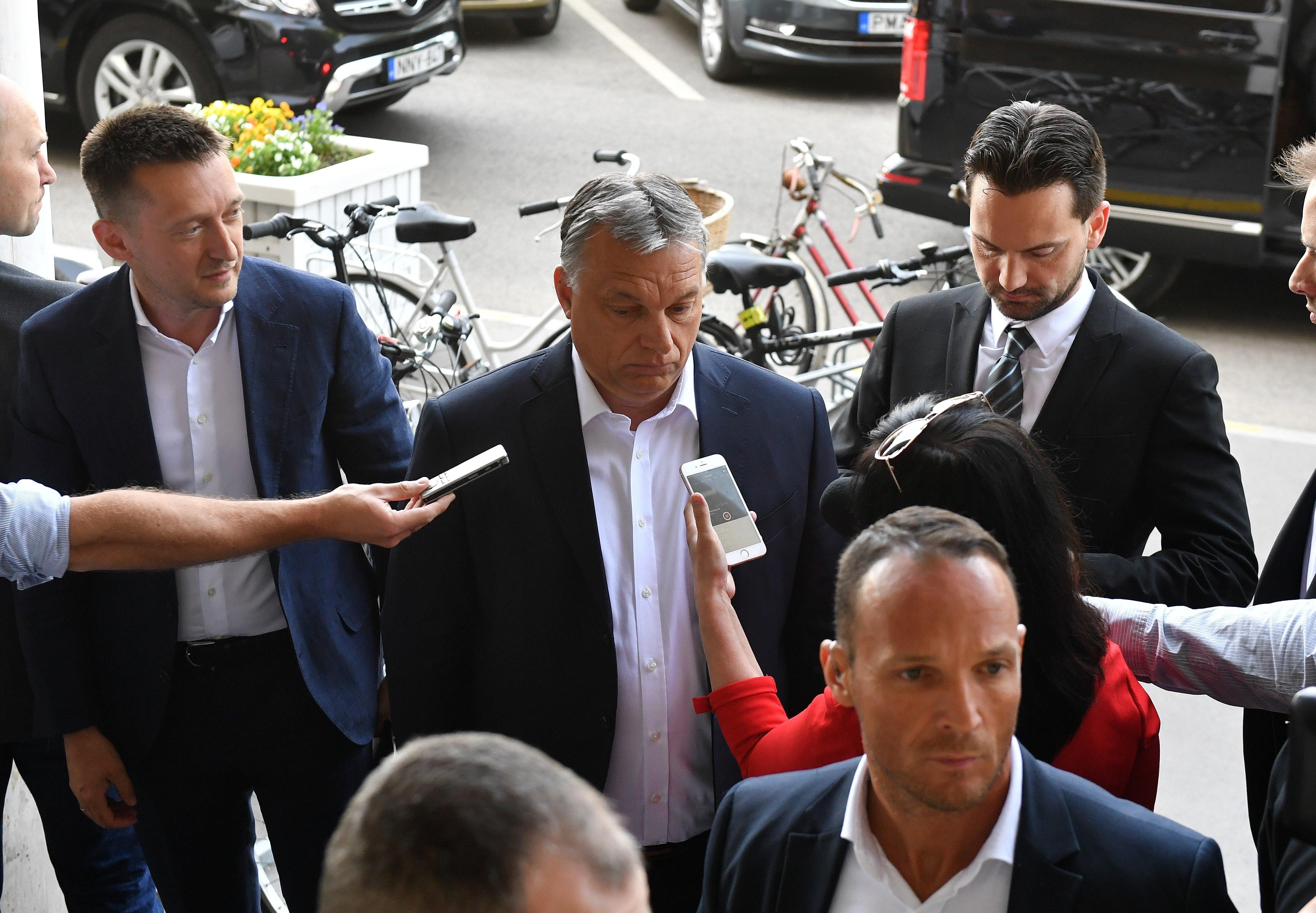Orbán azonnal alkotmányt módosít