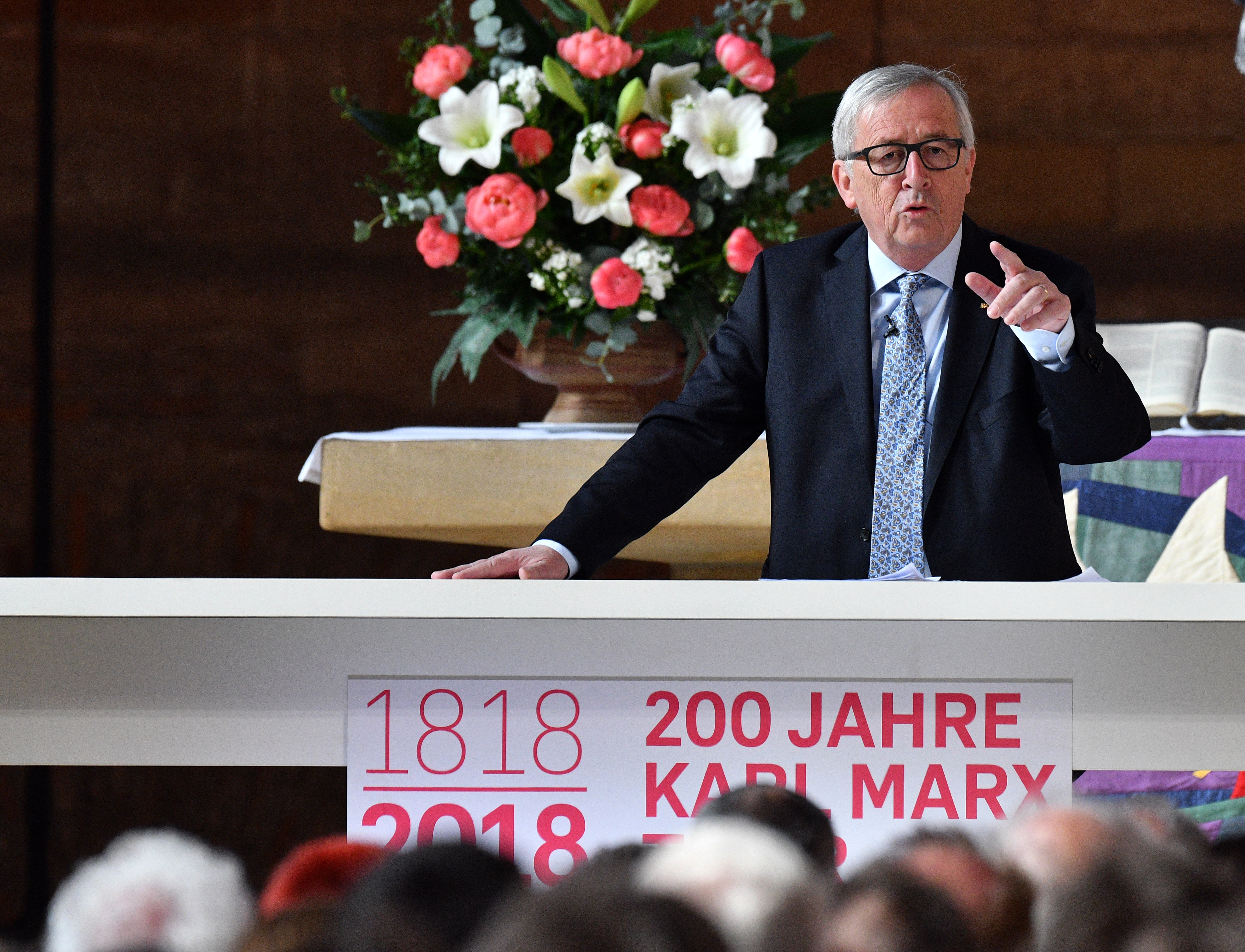 Juncker szerint nem lehet felelőssé tenni Marxot a követői által elkövetett rémtettekért