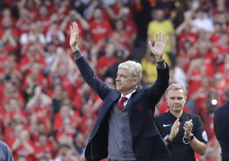 Wenger állami kitüntetést kap Libériában, amiért segítette George Weah jelenlegi elnök focikarrierjét