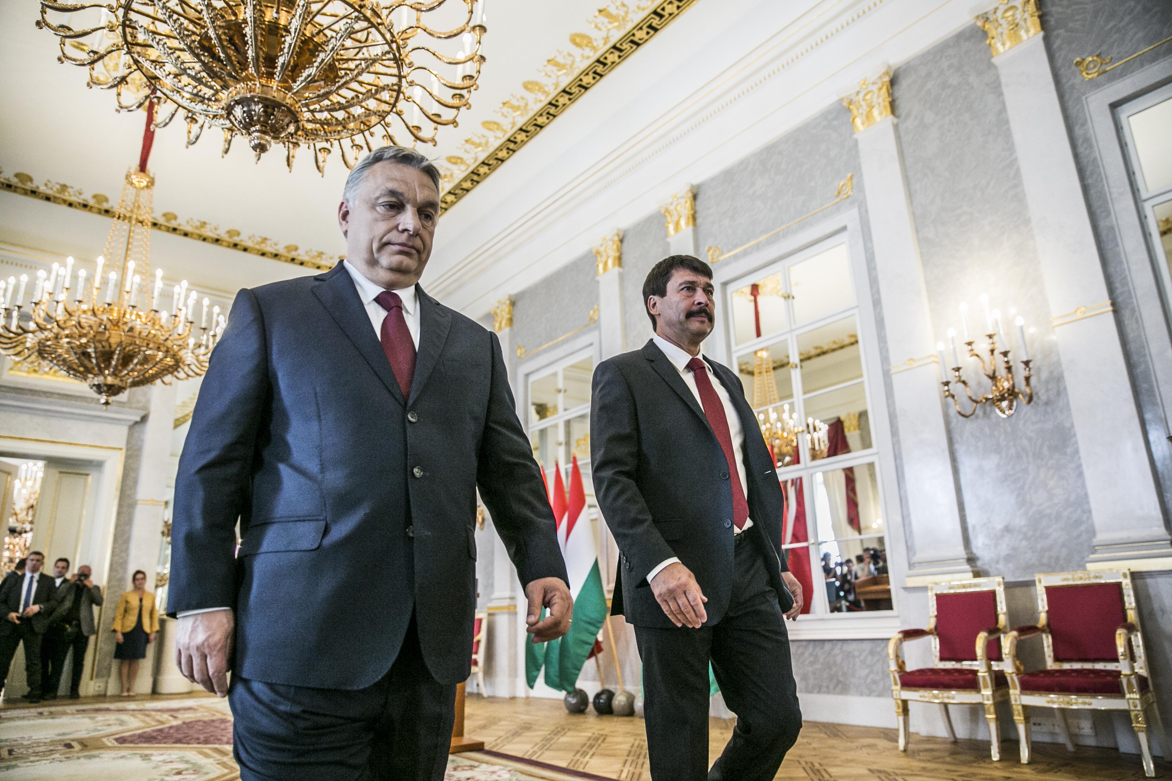 Váratlanul szigorították az országgyűlési képviselők belépését a Sándor-palotába