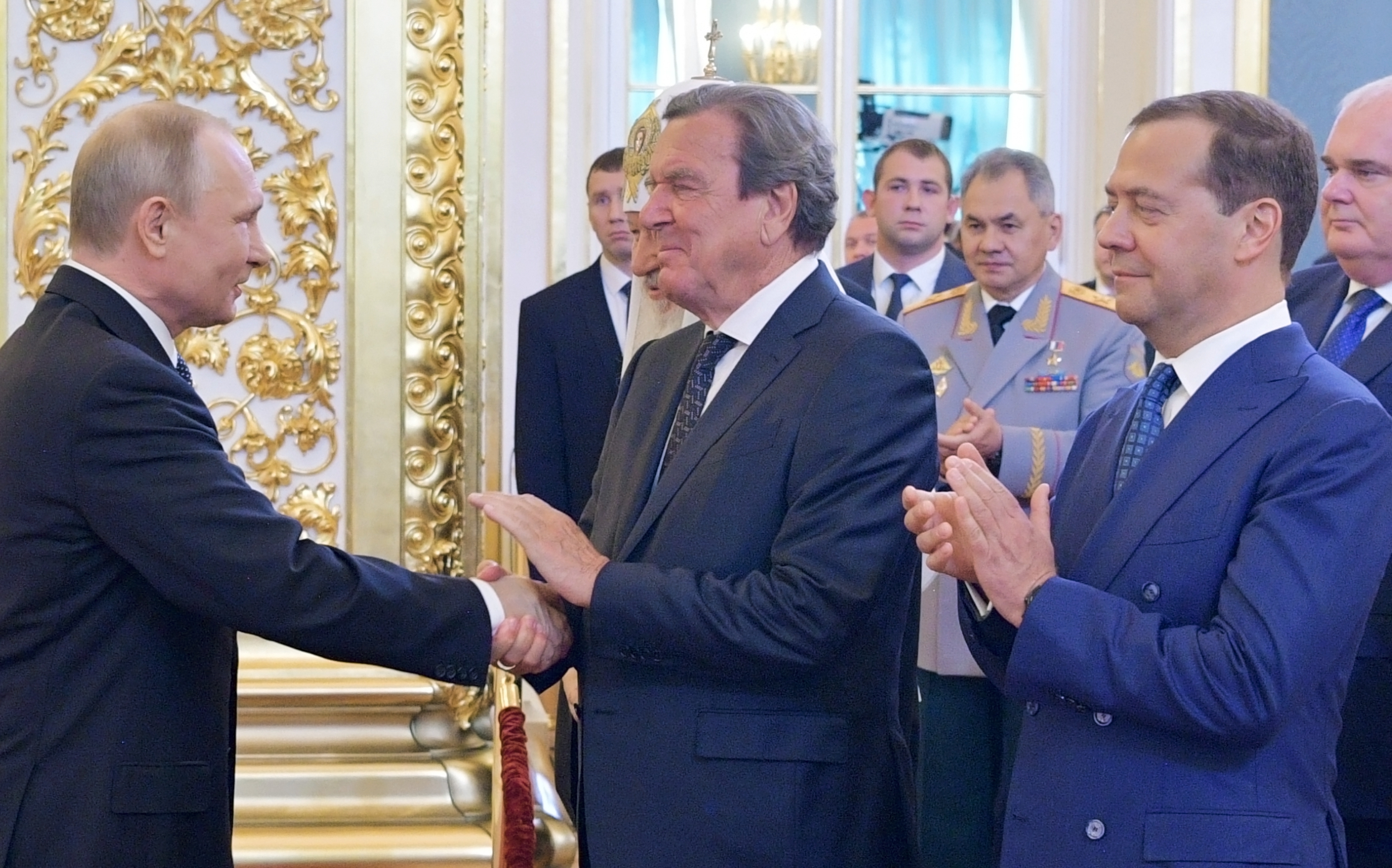 Gerhard Schröder volt a VIP-vendég Putyin beiktatásán