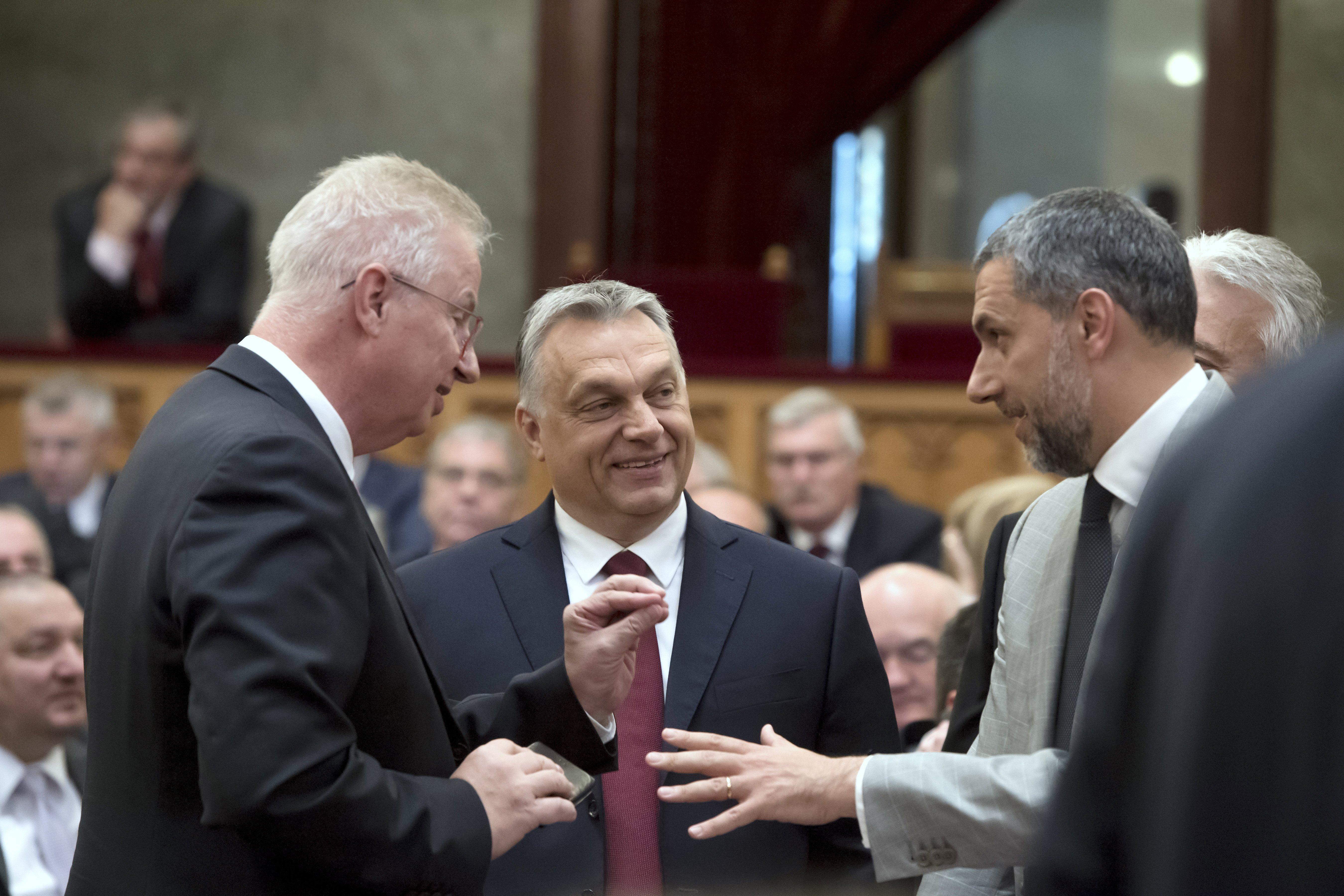 Minden korábbinál veszélyesebb ütközőpályán volt a Fidesz a különbíróságok miatt