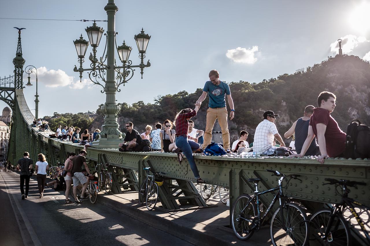 Júliusban újra minden hétvégén a gyalogosoké a Szabadság híd