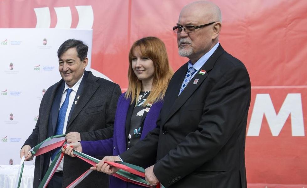 18 milliárdból épít kórházi épületet Mészáros családi cége