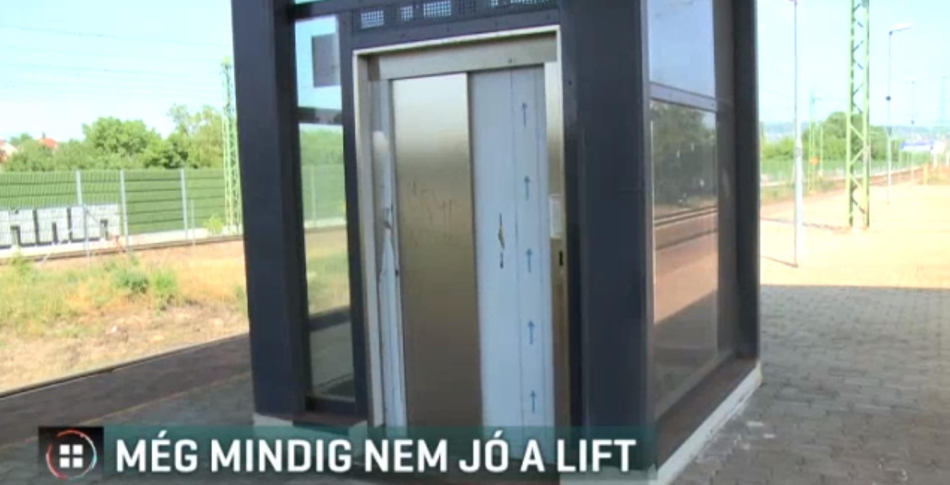Magyarország 2014-2018: Négy éve építettek egy liftet az albertfalvai vasútállomáson, azóta nem működik