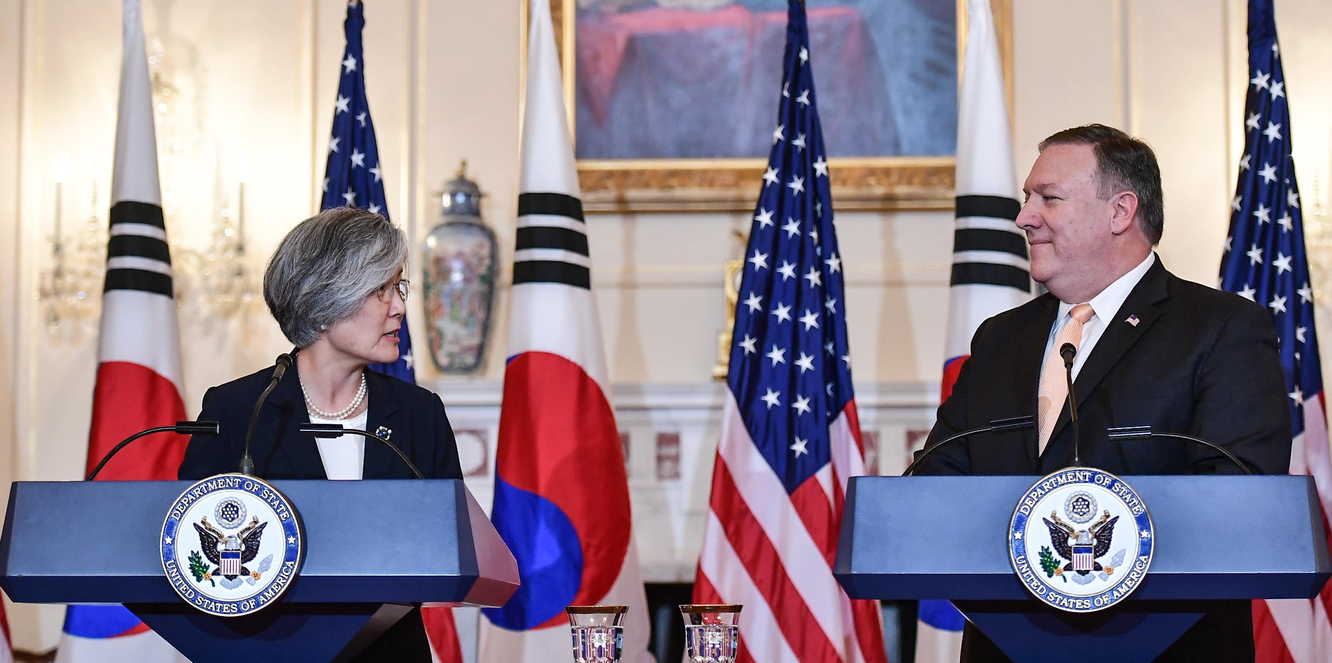 Az USA dél-koreai jómódot ígér Észak-Koreának az atomért cserébe