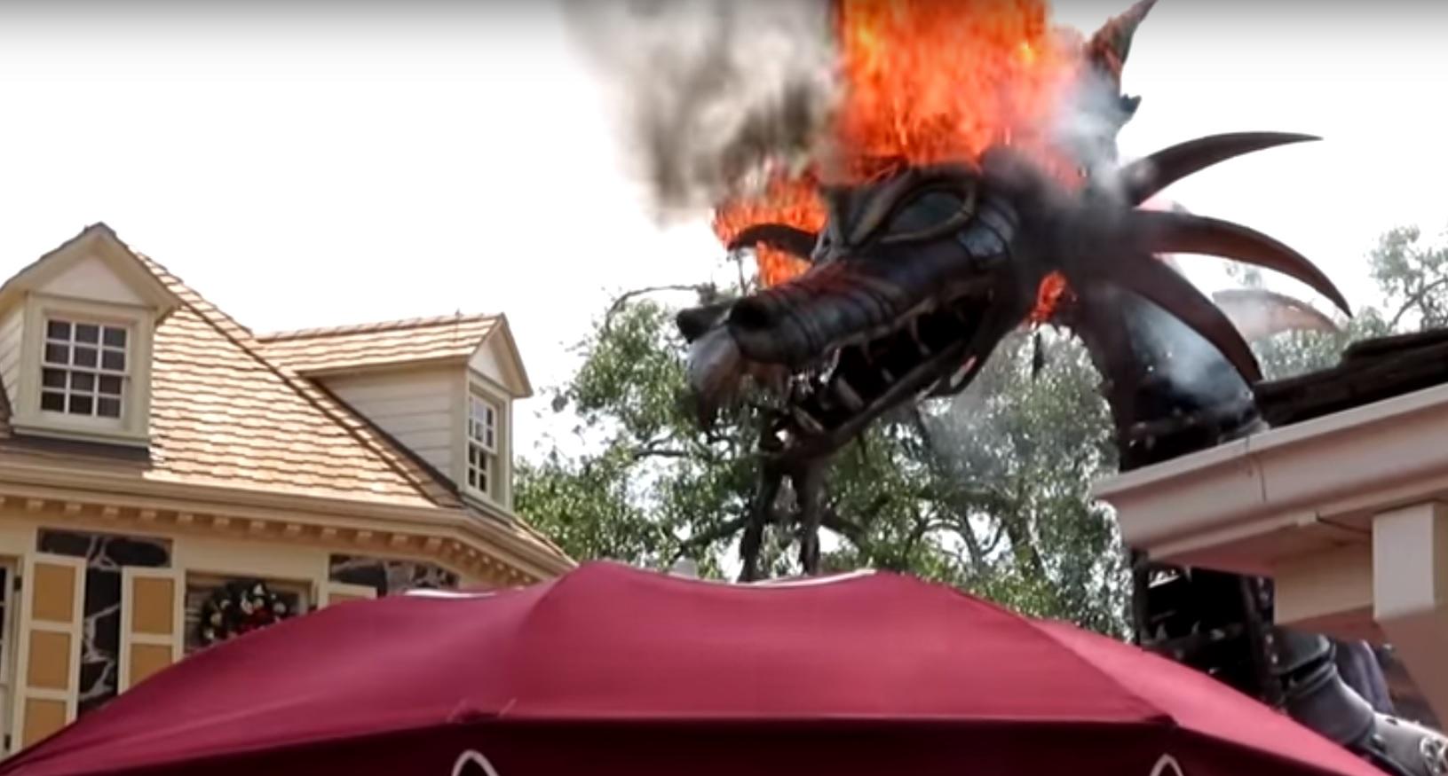 Kigyulladt a tűzokádó sárkány a Disney Worldben