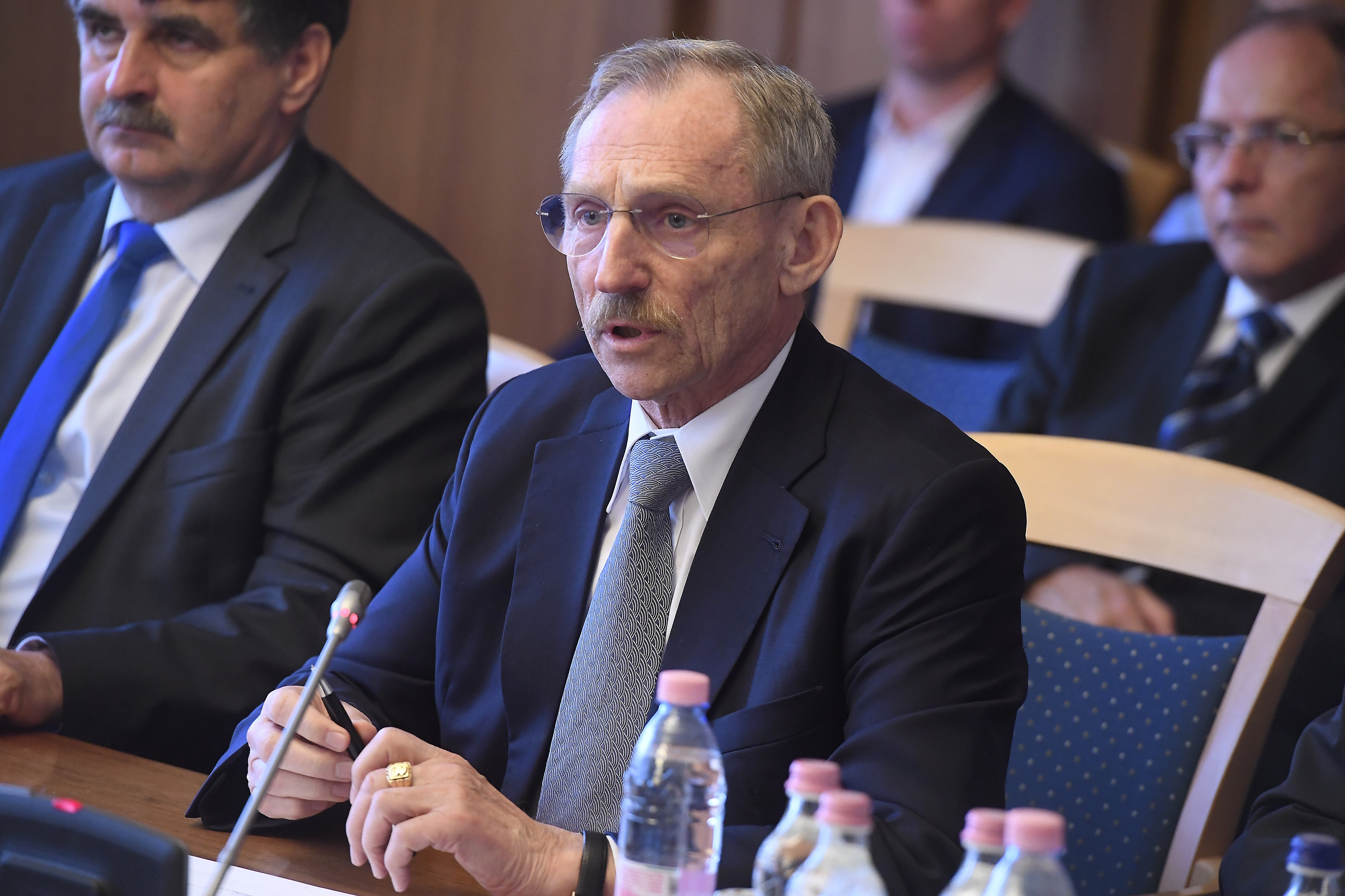 Pintér Sándor miniszteri biztost nevezett ki a 90-es évek bűnügyeinek felderítésére