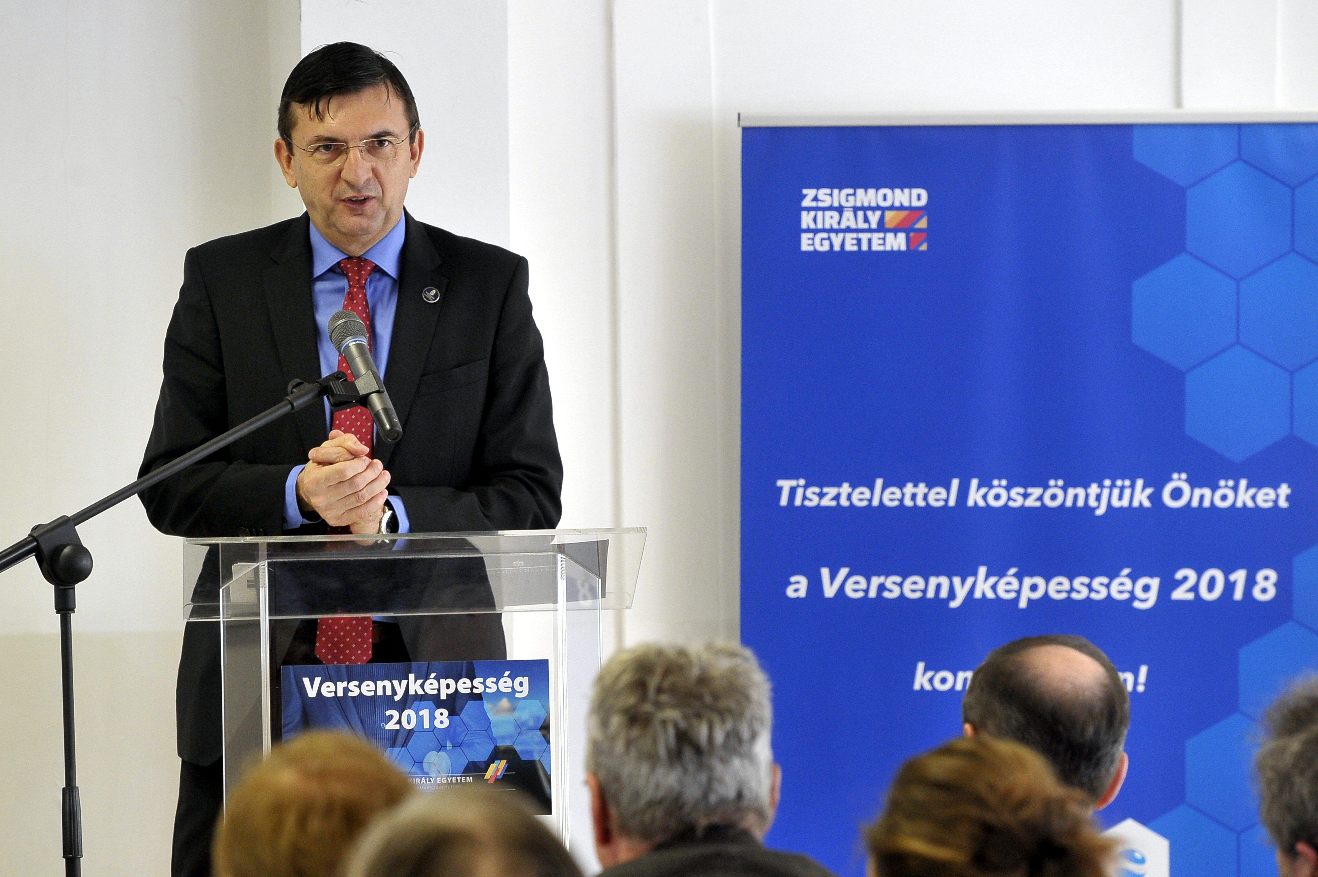 Domokos László: A túlórakeret emelése a gazdaságfehérítés újabb, fontos eszköze