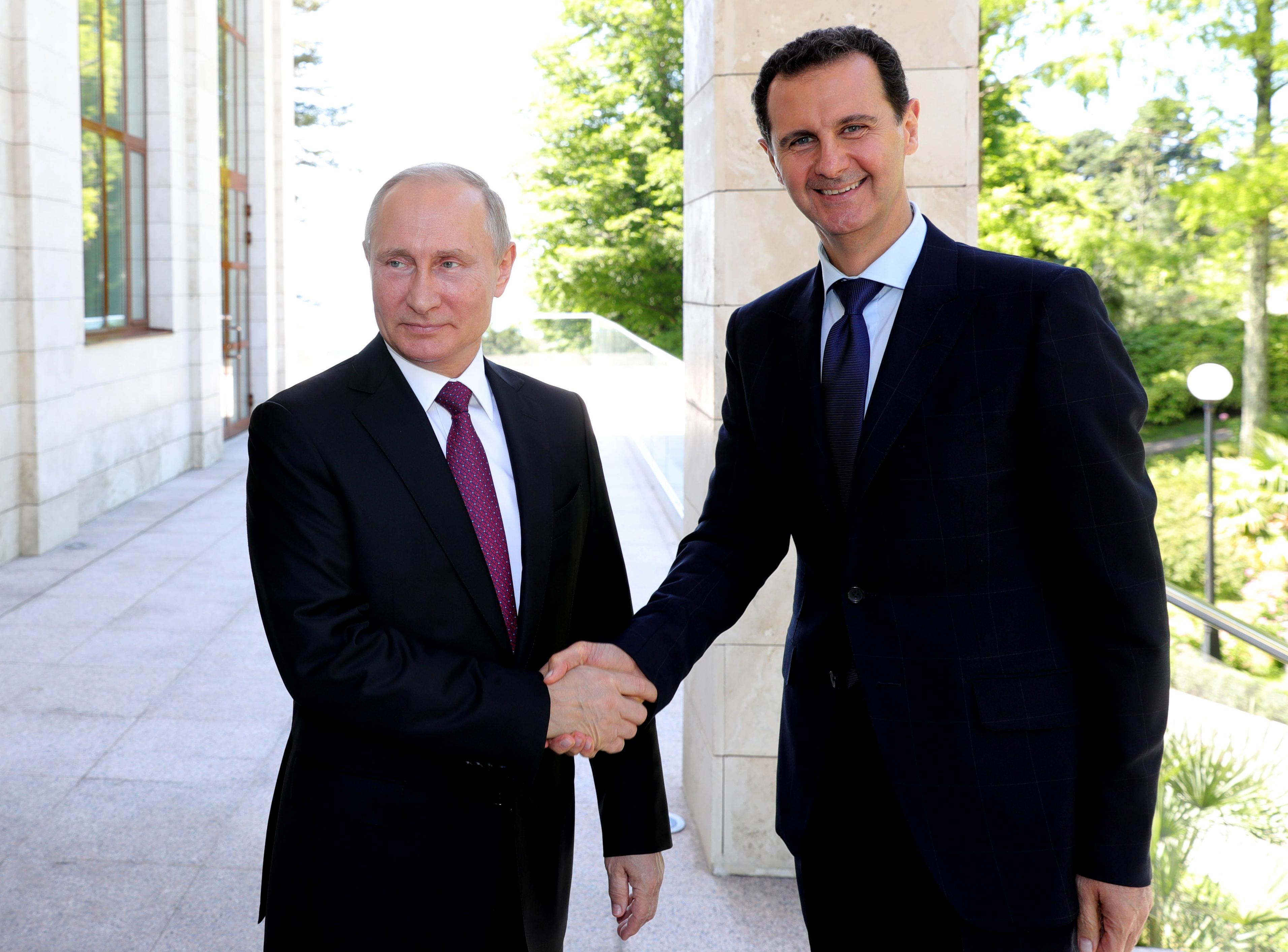 Bassár el-Aszad meglátogatja Kim Dzsongunt Észak-Koreában