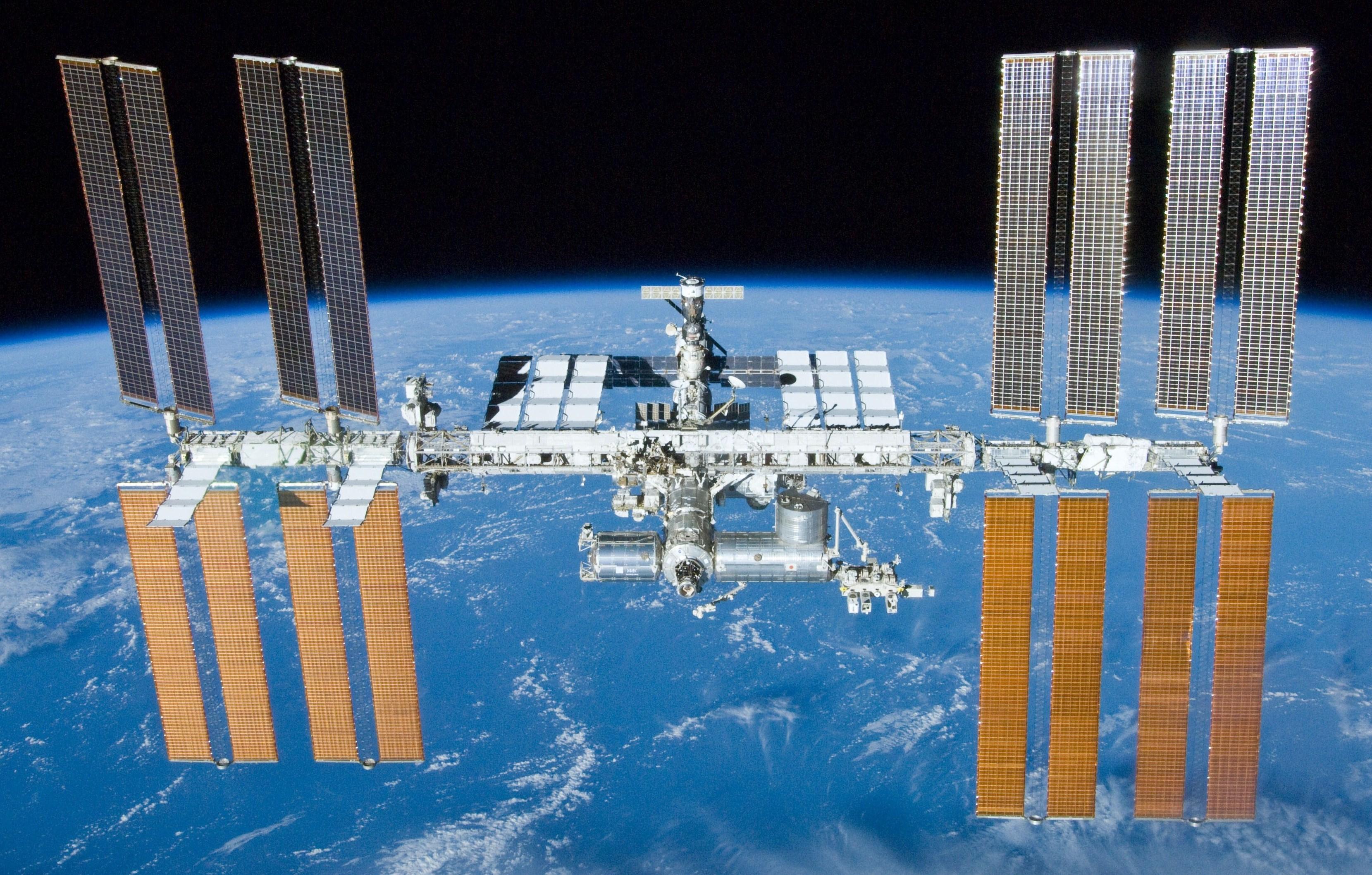 Kilyukadt a Nemzetközi Űrállomás, illetve a hozzá kapcsolt Szojuz űrhajó
